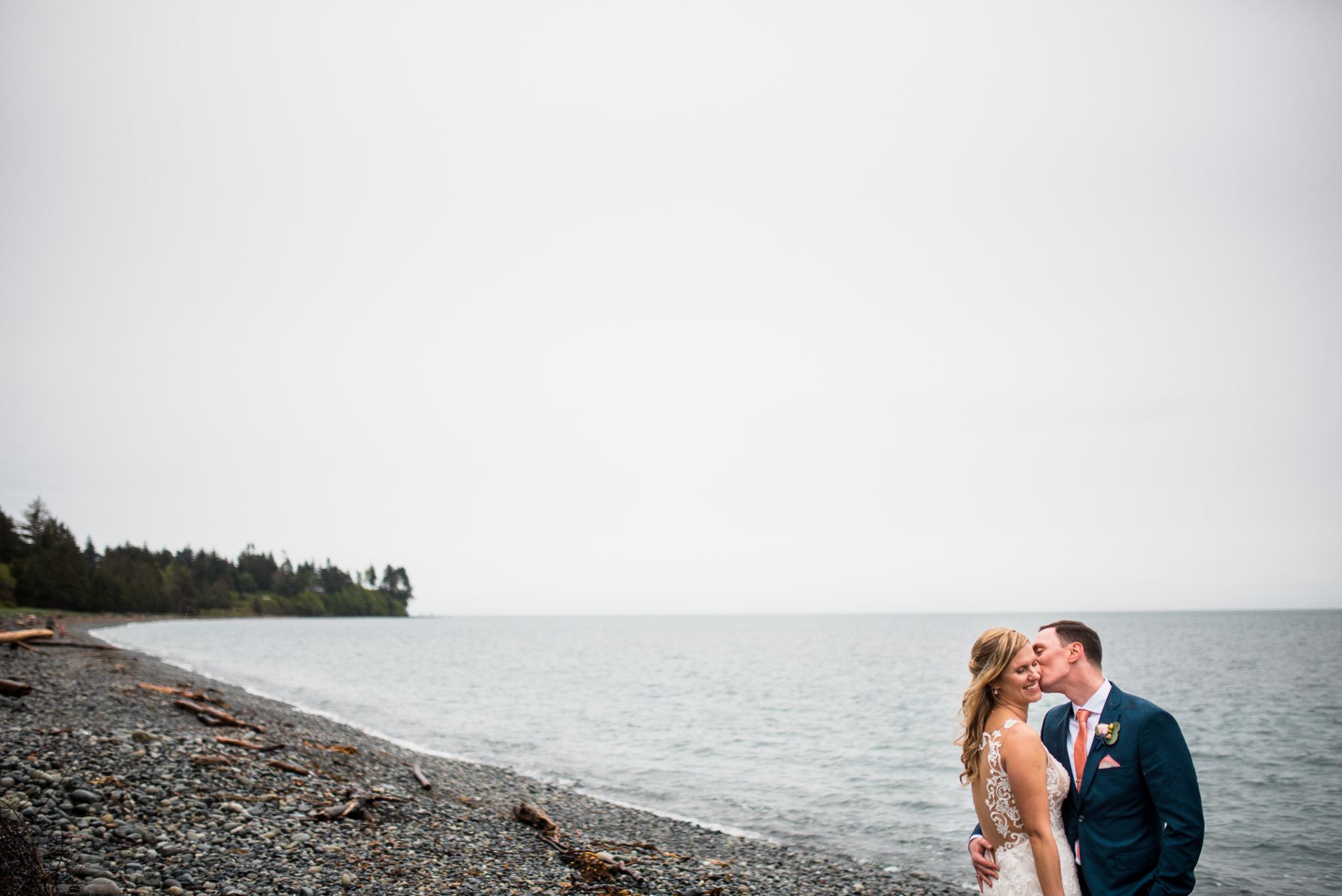 victoria-wedding-photographers-prestige-oceanfront-resort-wedding-29.jpg