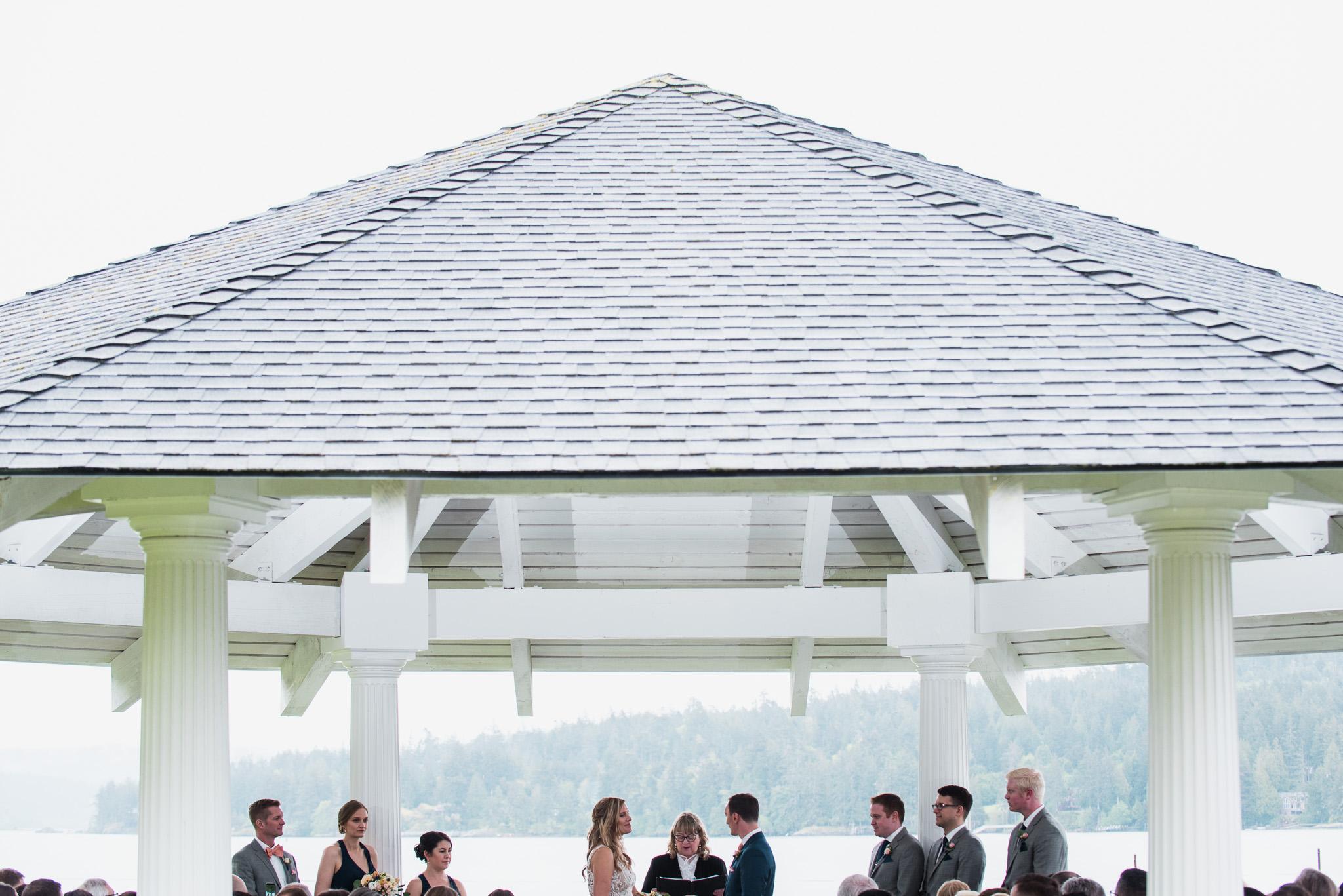 victoria-wedding-photographers-prestige-oceanfront-resort-wedding-32.jpg