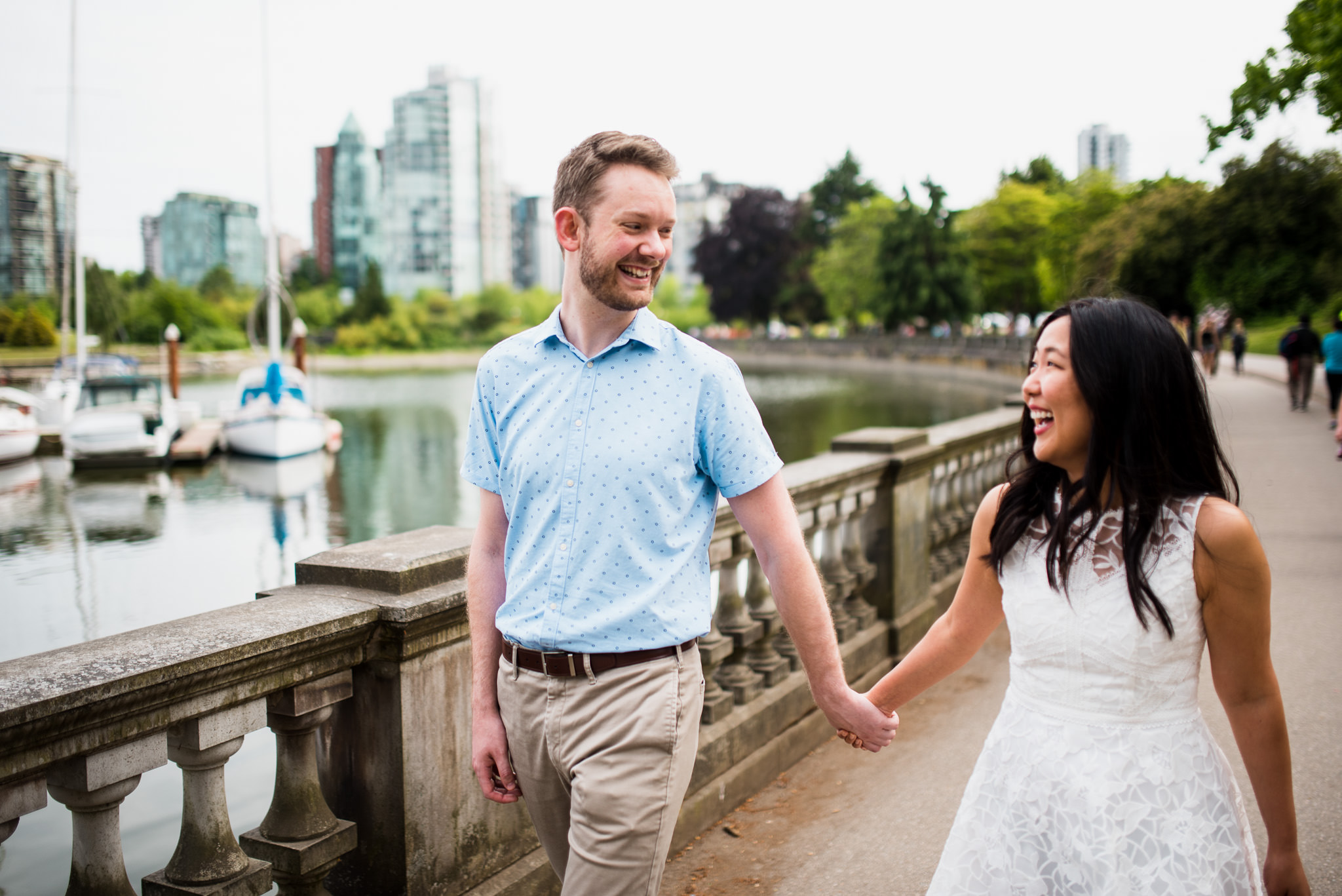 victoria-wedding-photographers-stanley-park-engagement-photos-14.jpg