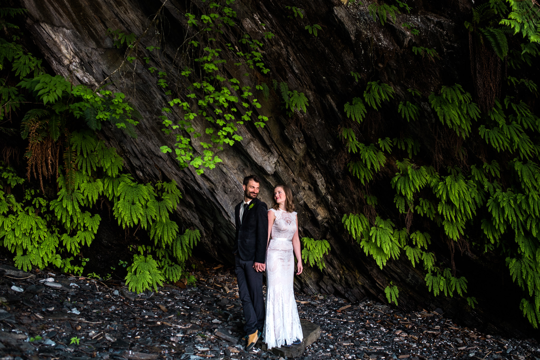 victoria-wedding-photographer-botanical-beach-wedding-port-renfrew-21.jpg