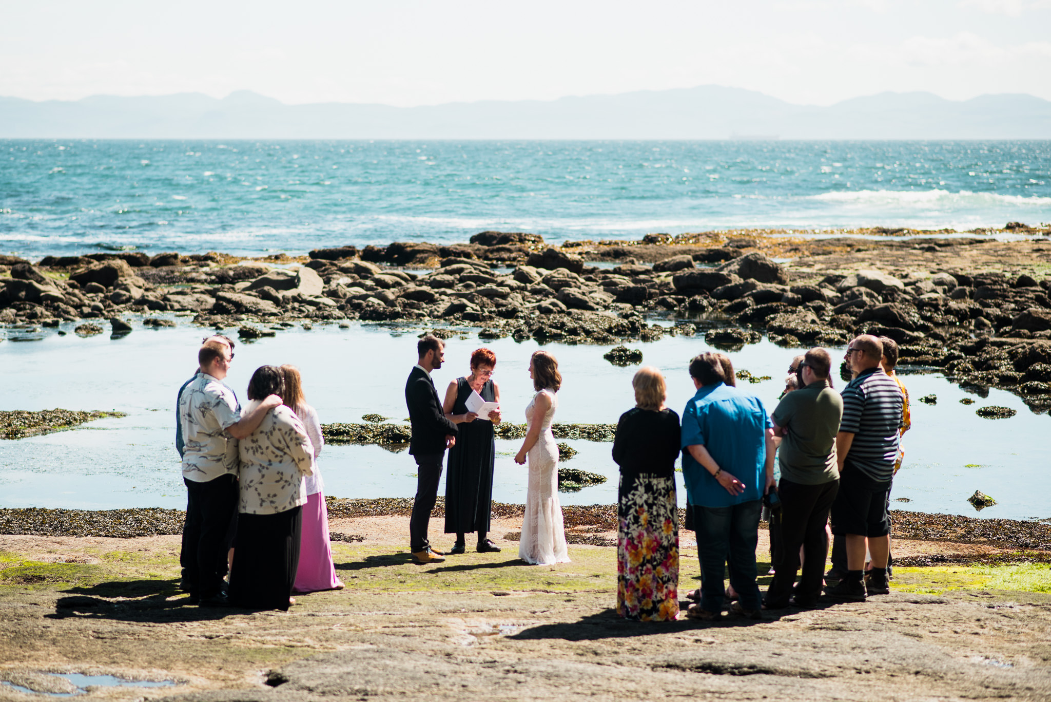 victoria-wedding-photographer-botanical-beach-wedding-port-renfrew-27.jpg