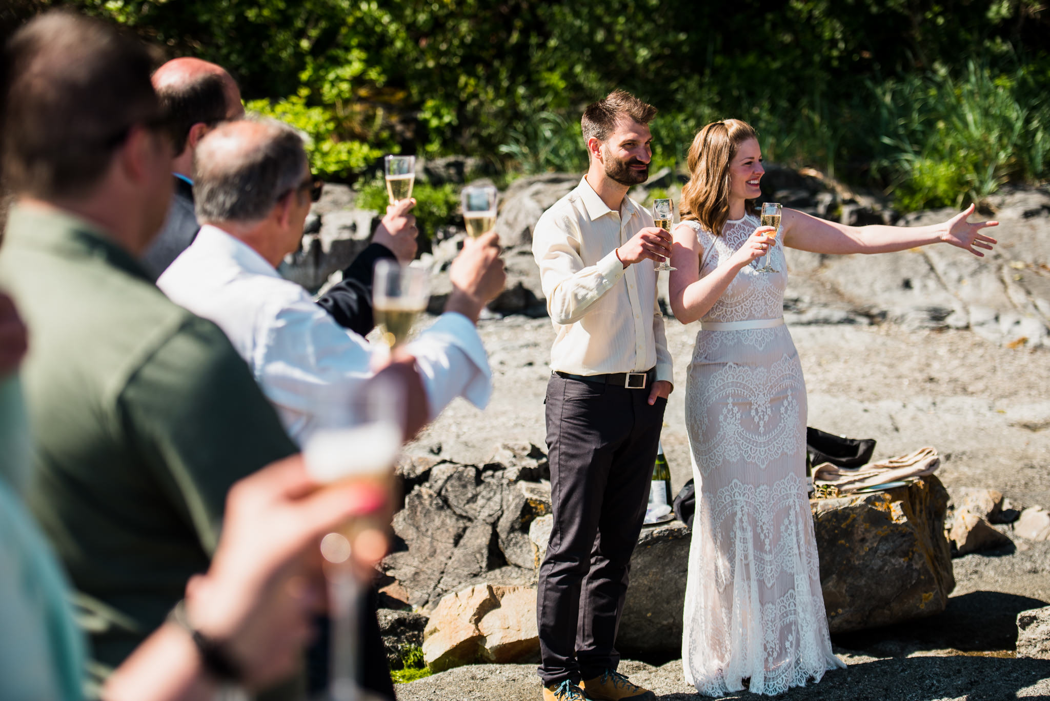 victoria-wedding-photographer-botanical-beach-wedding-port-renfrew-40.jpg