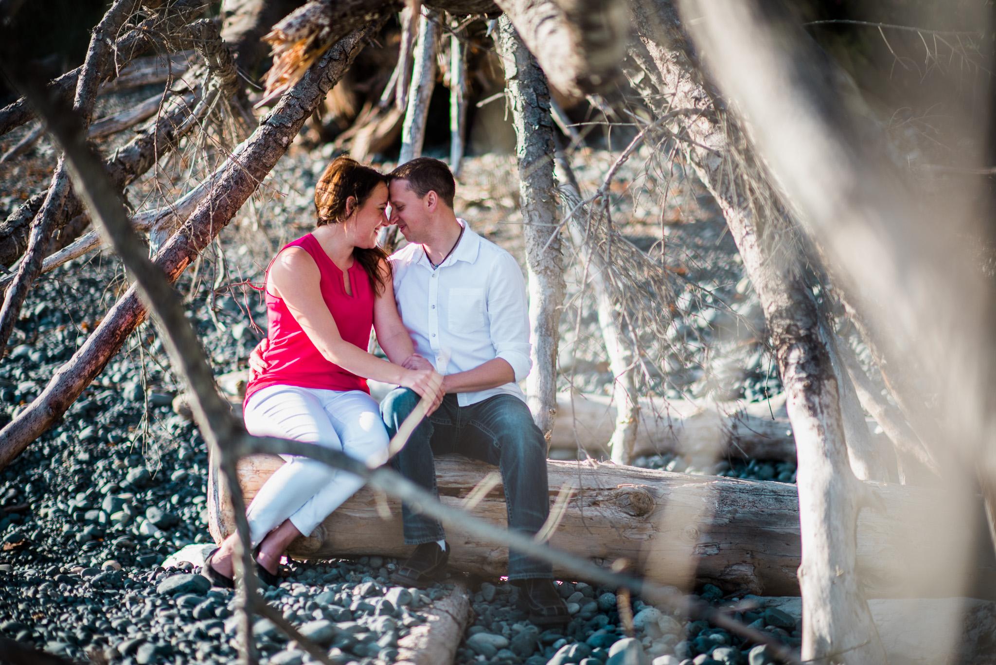 victoria-wedding-photographer-sandcut-beach-engagement-5.jpg