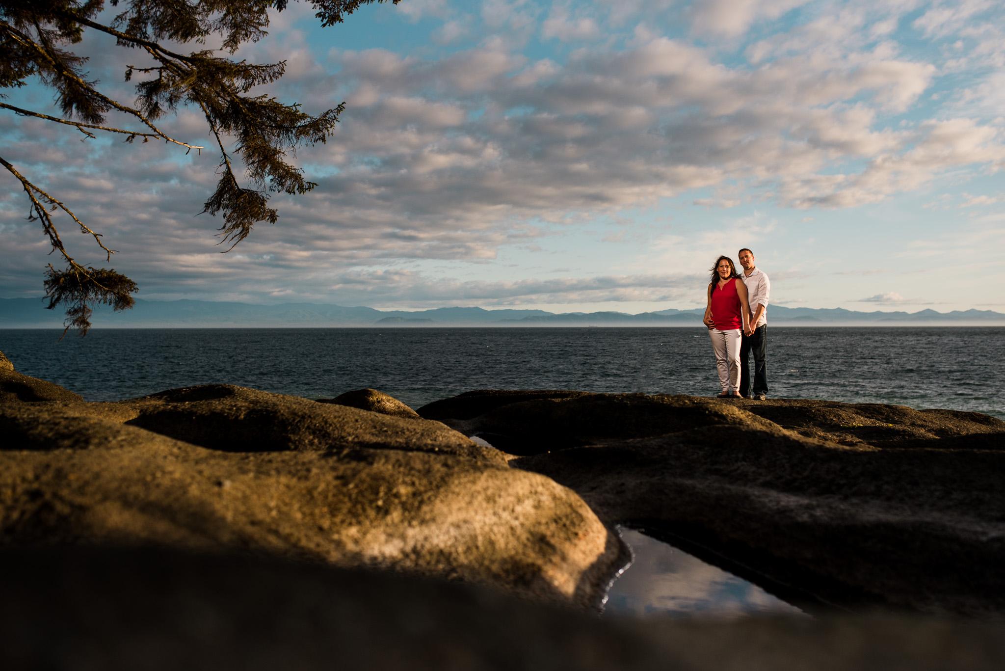 victoria-wedding-photographer-sandcut-beach-engagement-12.jpg