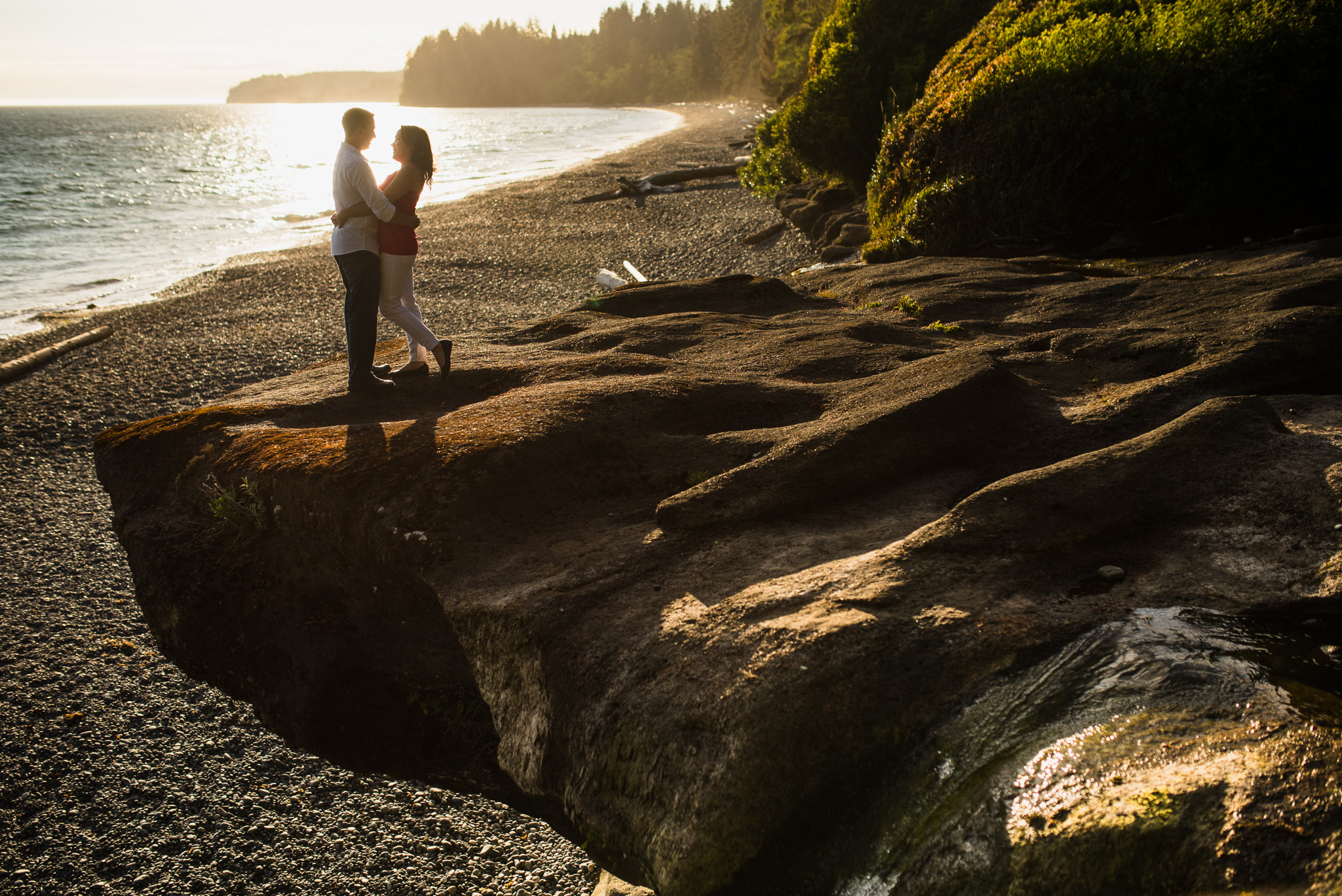 victoria-wedding-photographer-sandcut-beach-engagement-11.jpg