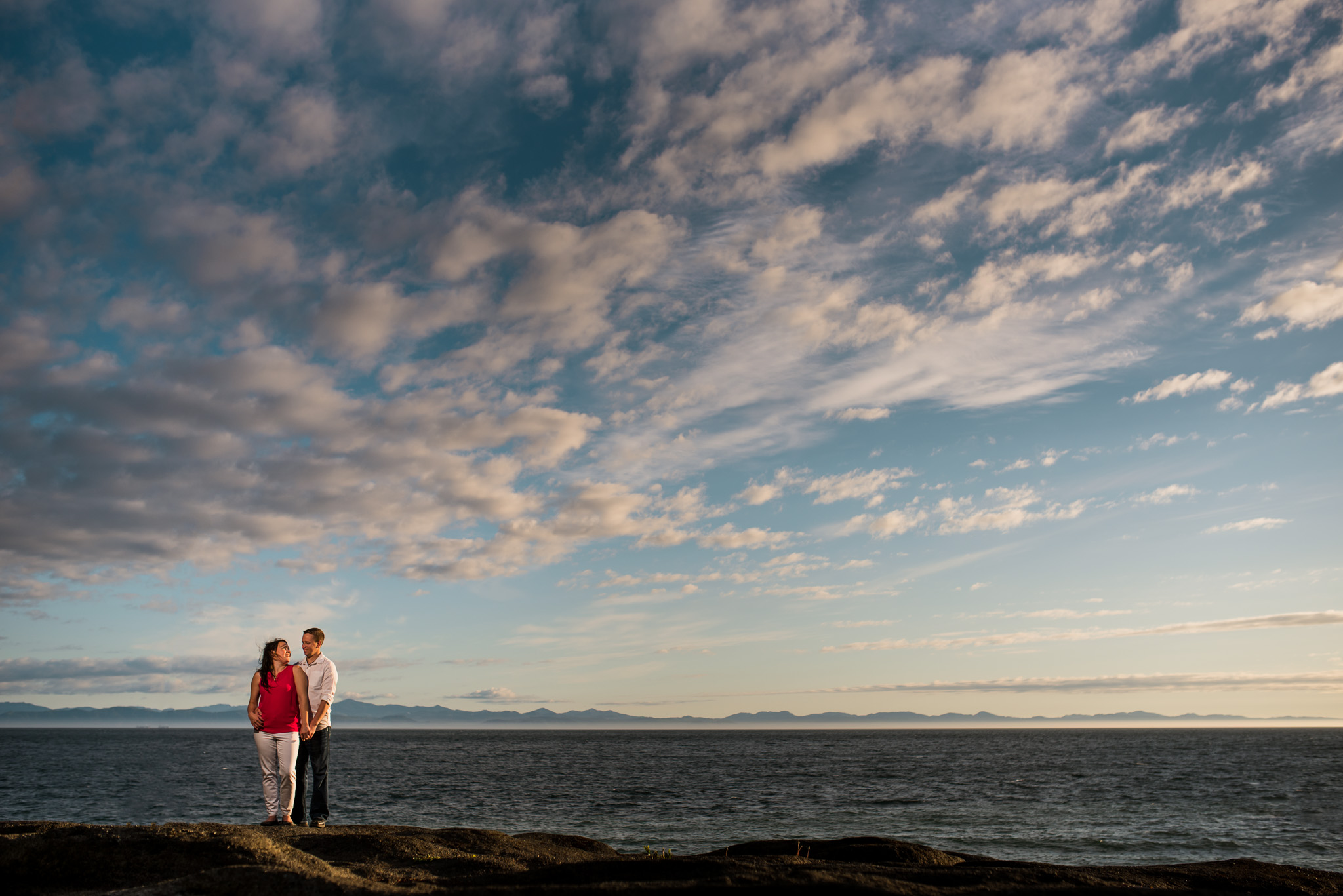 victoria-wedding-photographer-sandcut-beach-engagement-13.jpg