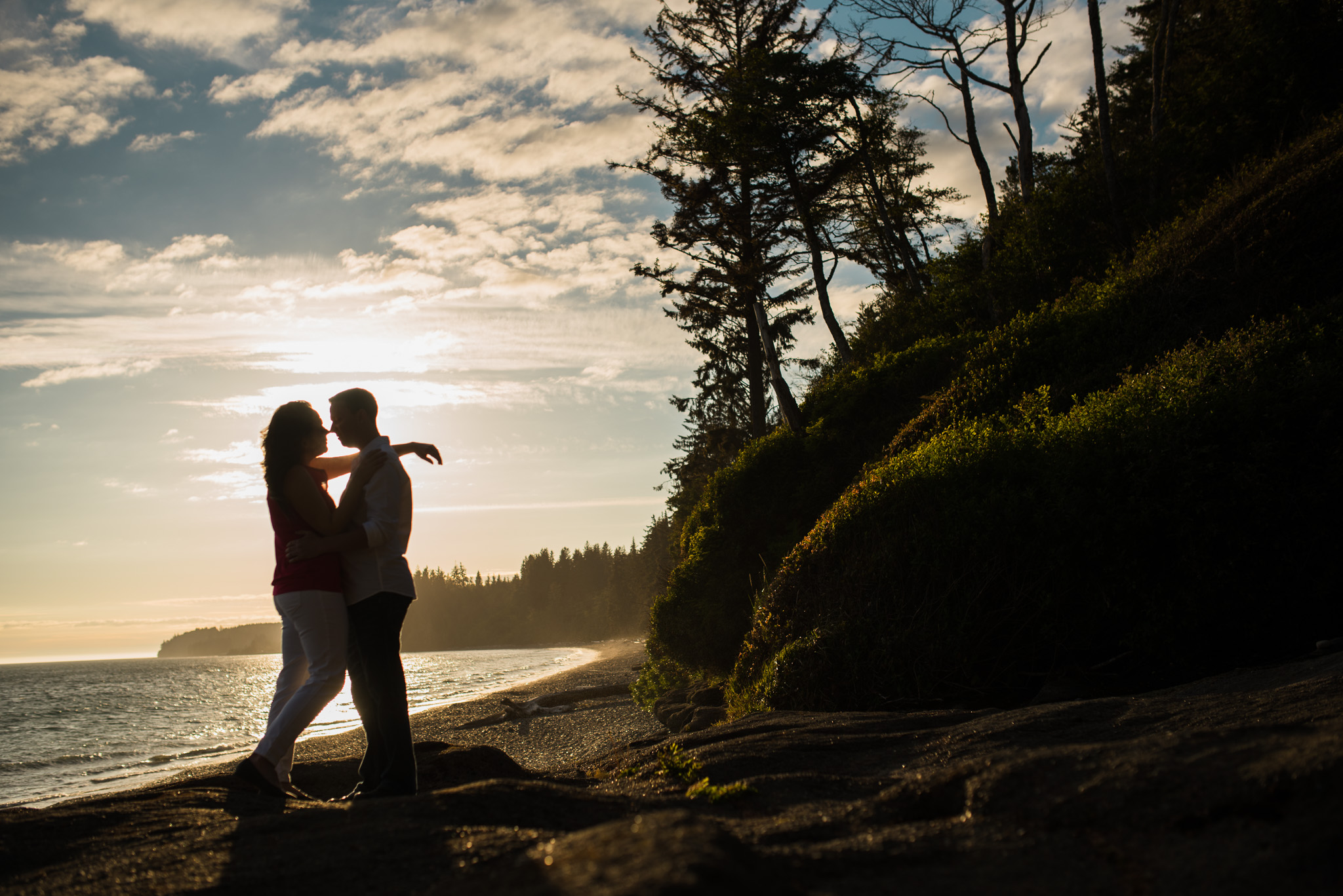 victoria-wedding-photographer-sandcut-beach-engagement-17.jpg