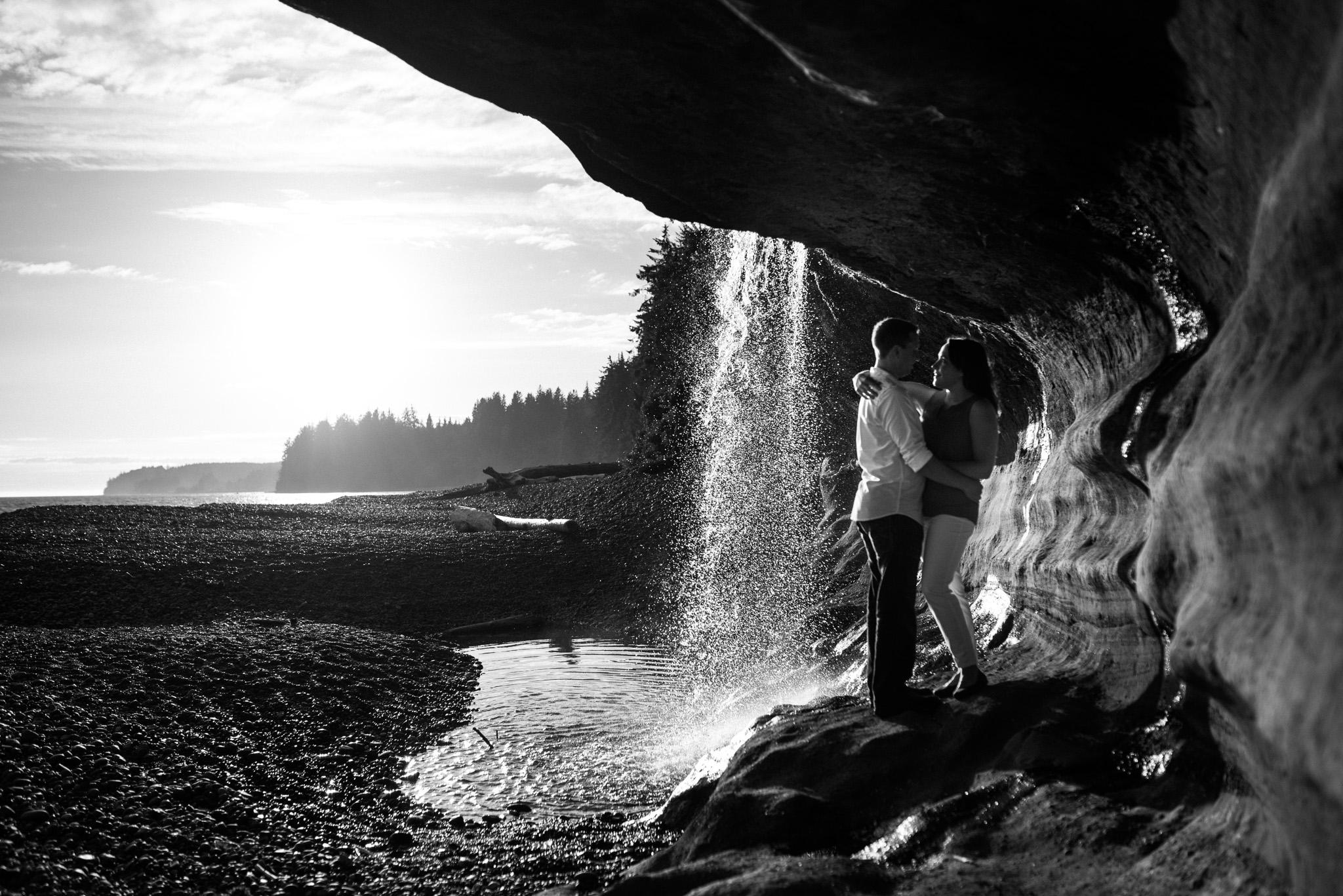 victoria-wedding-photographer-sandcut-beach-engagement-18.jpg