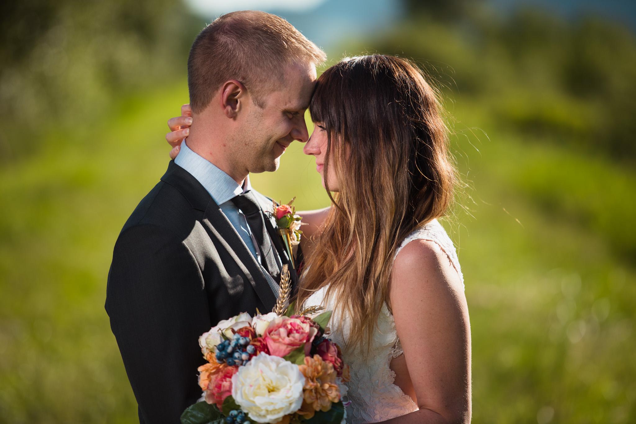 Melanie-Matt-Pitt-Lake-Post-Wedding-Shoot-Victoria-Wedding-Photographers-4.jpg