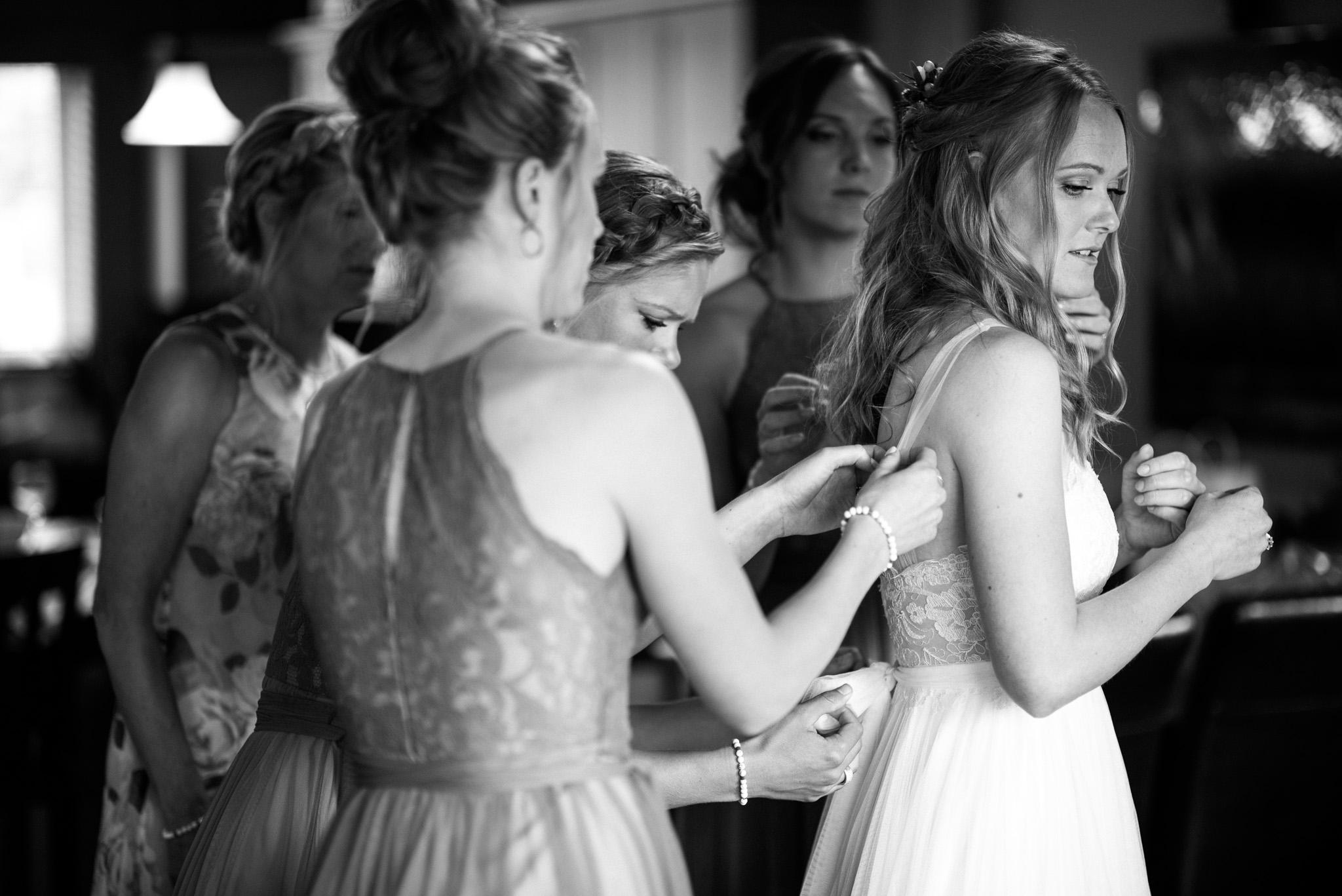 victoria-wedding-photographers-mount-washington-winter-wedding-15.jpg