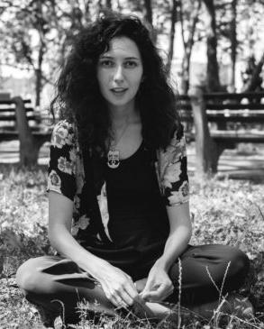 Maria Usbeck, Singer-songwriter