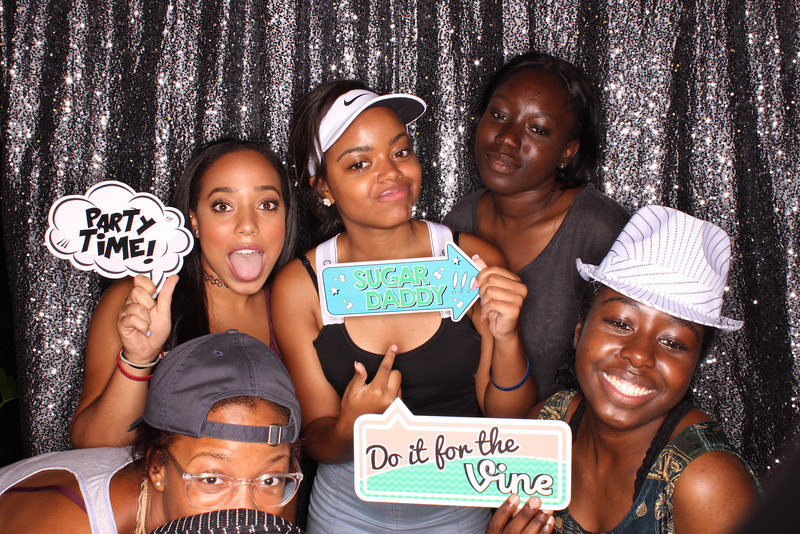 Snap-Party-Booth-153-L.jpg