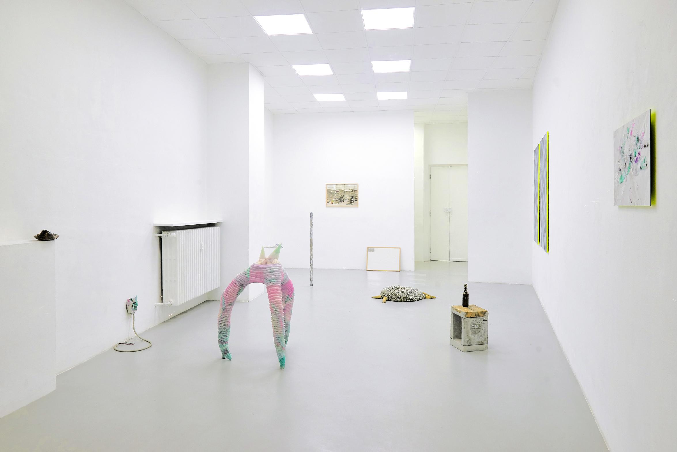 1 Screen Tearing. Exhibition view. Dimora Artica (ph Michele Fanucci).jpg