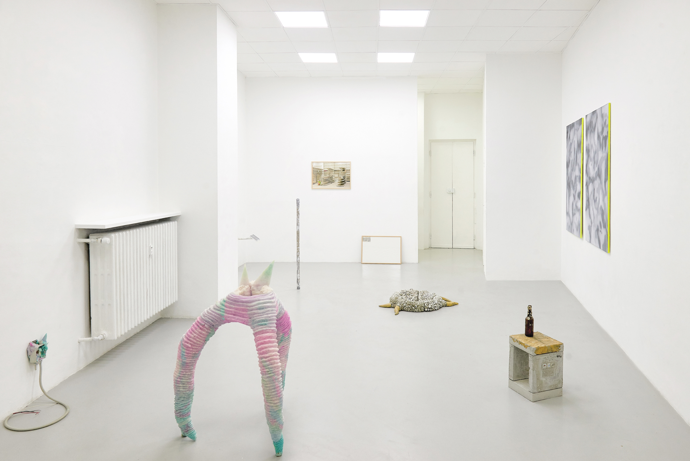 3 Screen Tearing. Exhibition view. Dimora Artica (ph Michele Fanucci).jpg