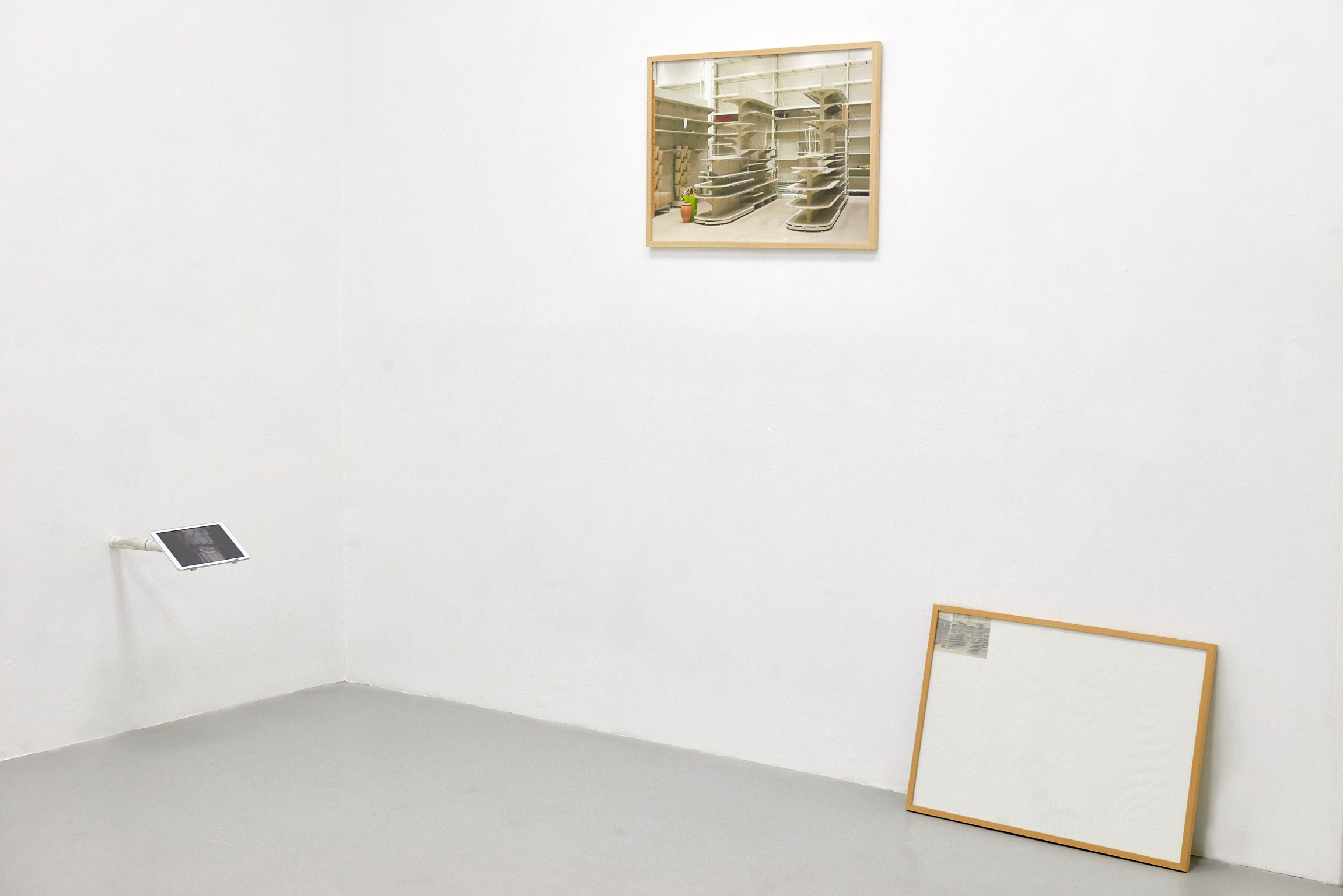 27 Screen Tearing. Exhibition view. Dimora Artica (ph Michele Fanucci).jpg