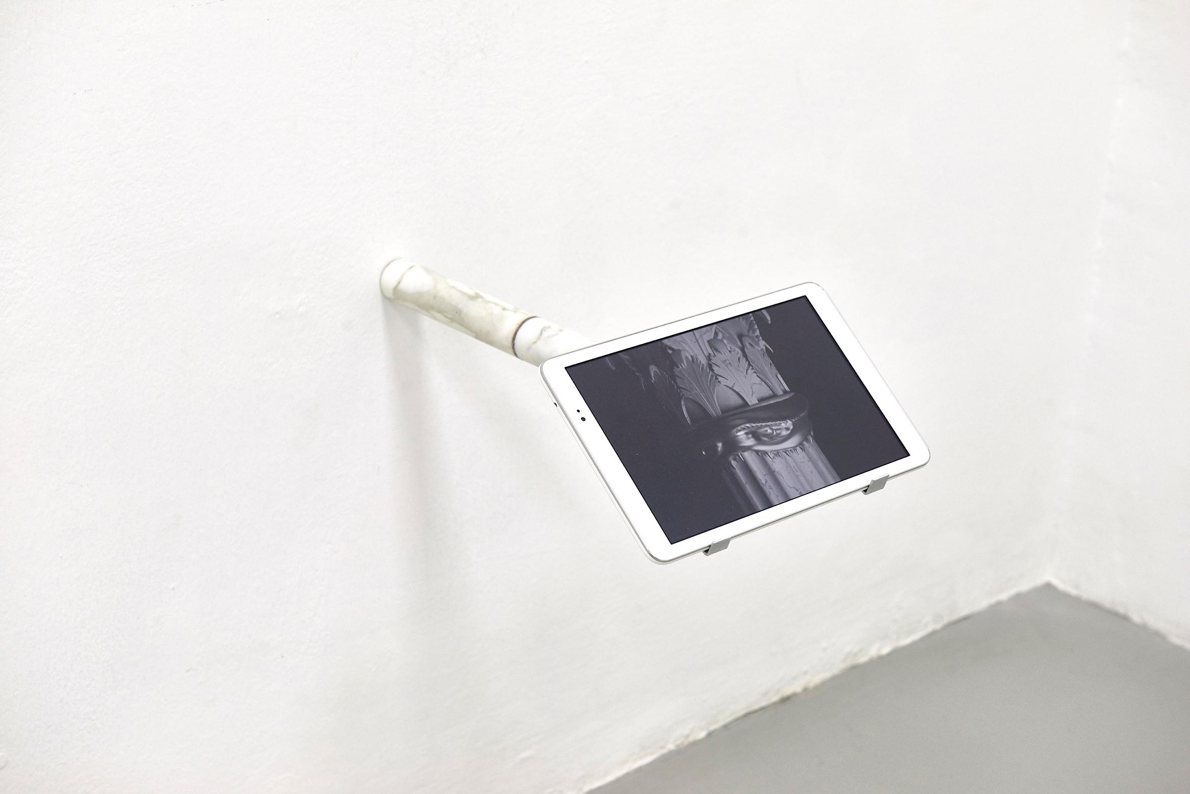 26 Screen Tearing. Work by Agostino Bergamaschi. Dimora Artica (ph Michele Fanucci).jpg