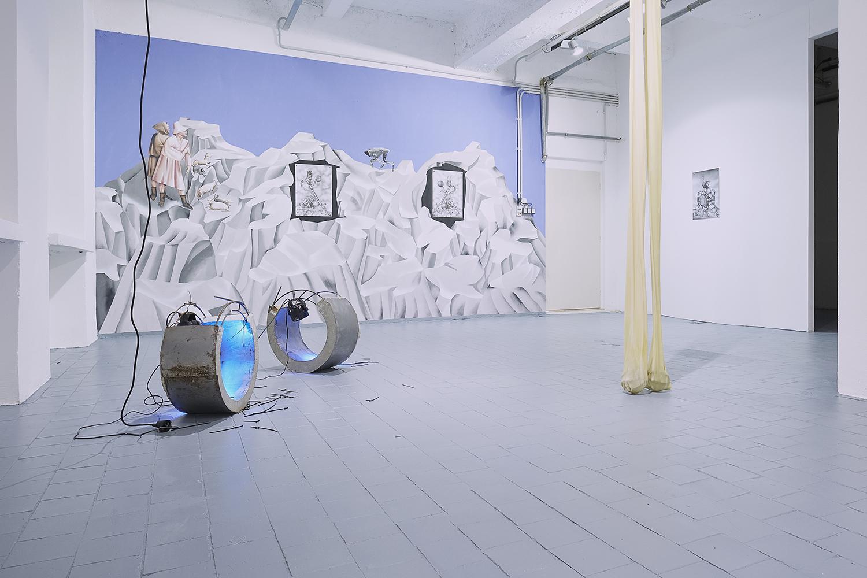 Vista de exposición, Extra-Planetary Commitment, lítost gallery