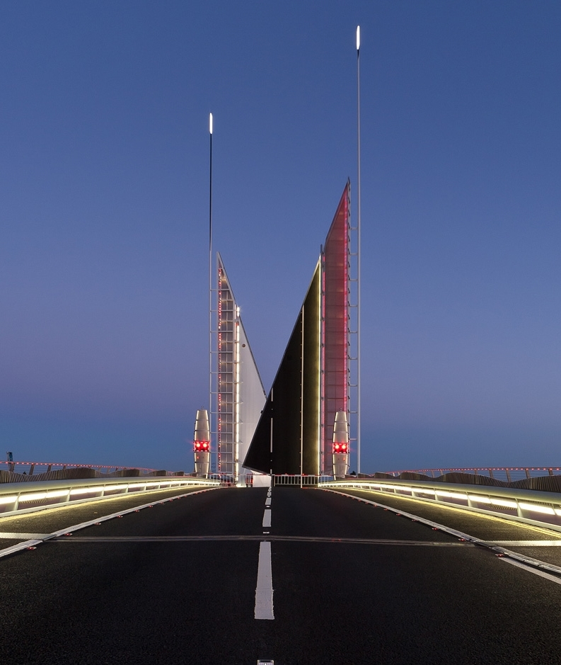 Twin Sails Bridge-4327_900.jpg