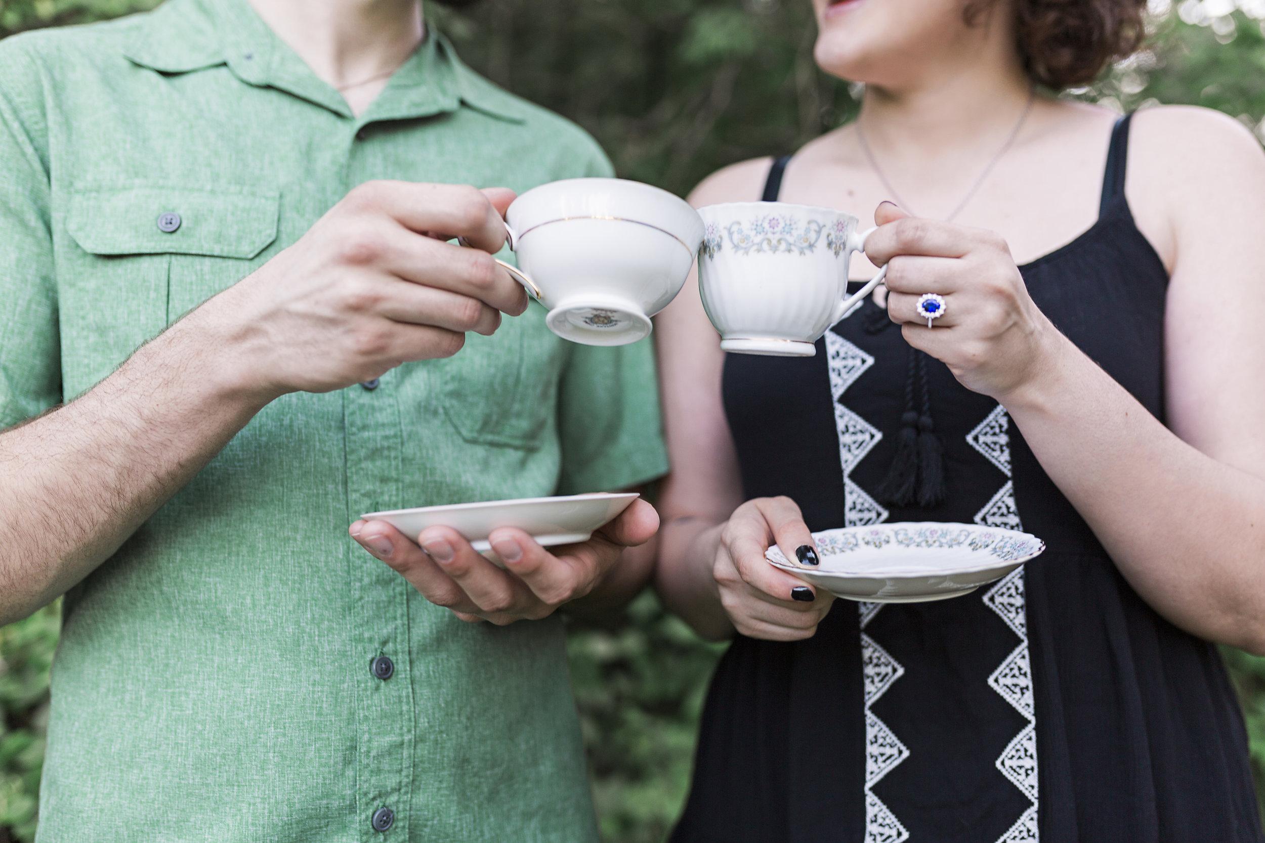 jeffersoncity-photographer-engagement-teaparty
