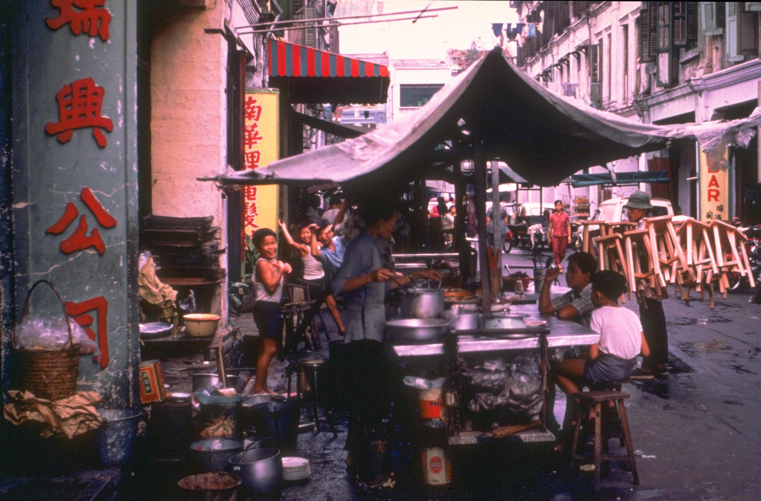 A street hawker at Trengganu Street in Chinatown, 1971.