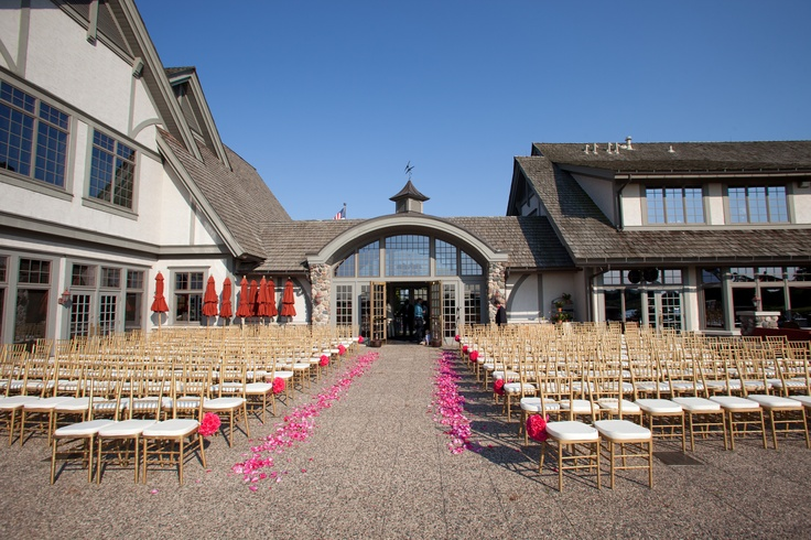 Wedding day at Rush Creek Golf Club.
