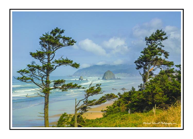 2014-03-26 Oregon Cannon Beach Haystack Rock-1
