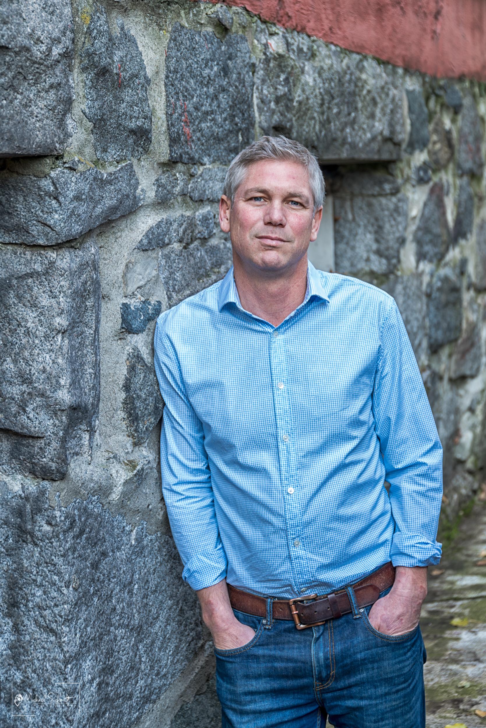 Steve Hubley Portrait -8.jpg