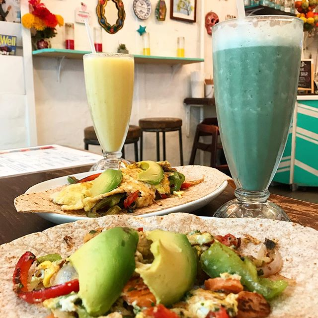 Green and yellow, green and yellow, green and yellow!! Smoothies and lite bites all summer long! Say whaaa!! 😎