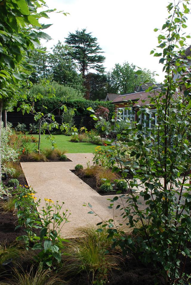 Formal-garden-Lisa-Cox-Desi.jpg