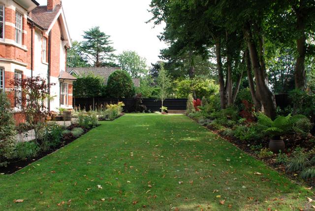 Long-lawn-in-Woking-Lisa-Co.jpg