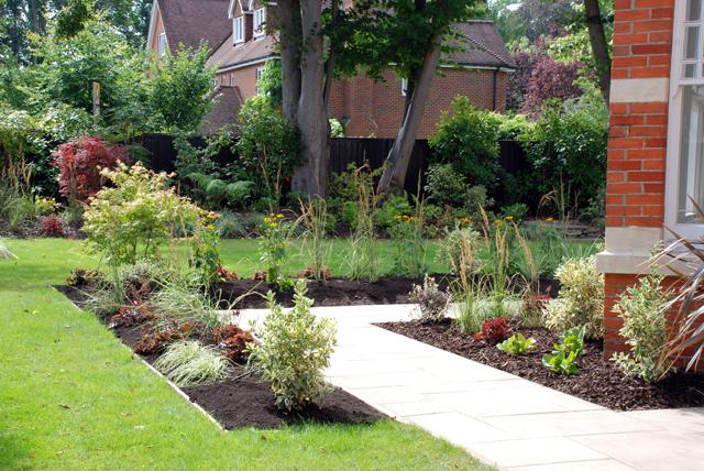 Long-thin-garden-Lisa-Cox-D.jpg