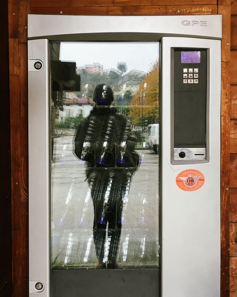 Unpasturised milk vending machine