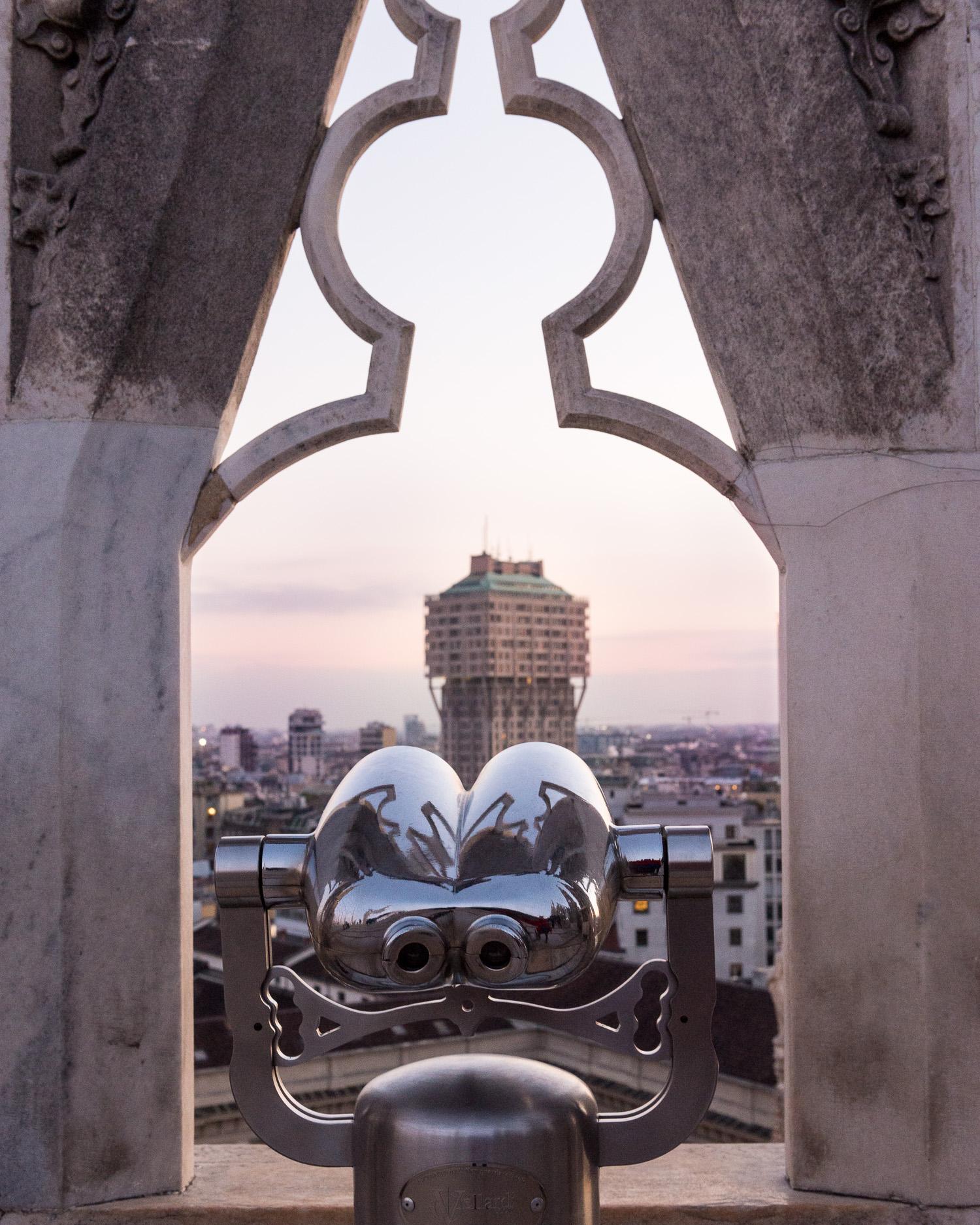 Milan duomo sunset binoculars.jpg