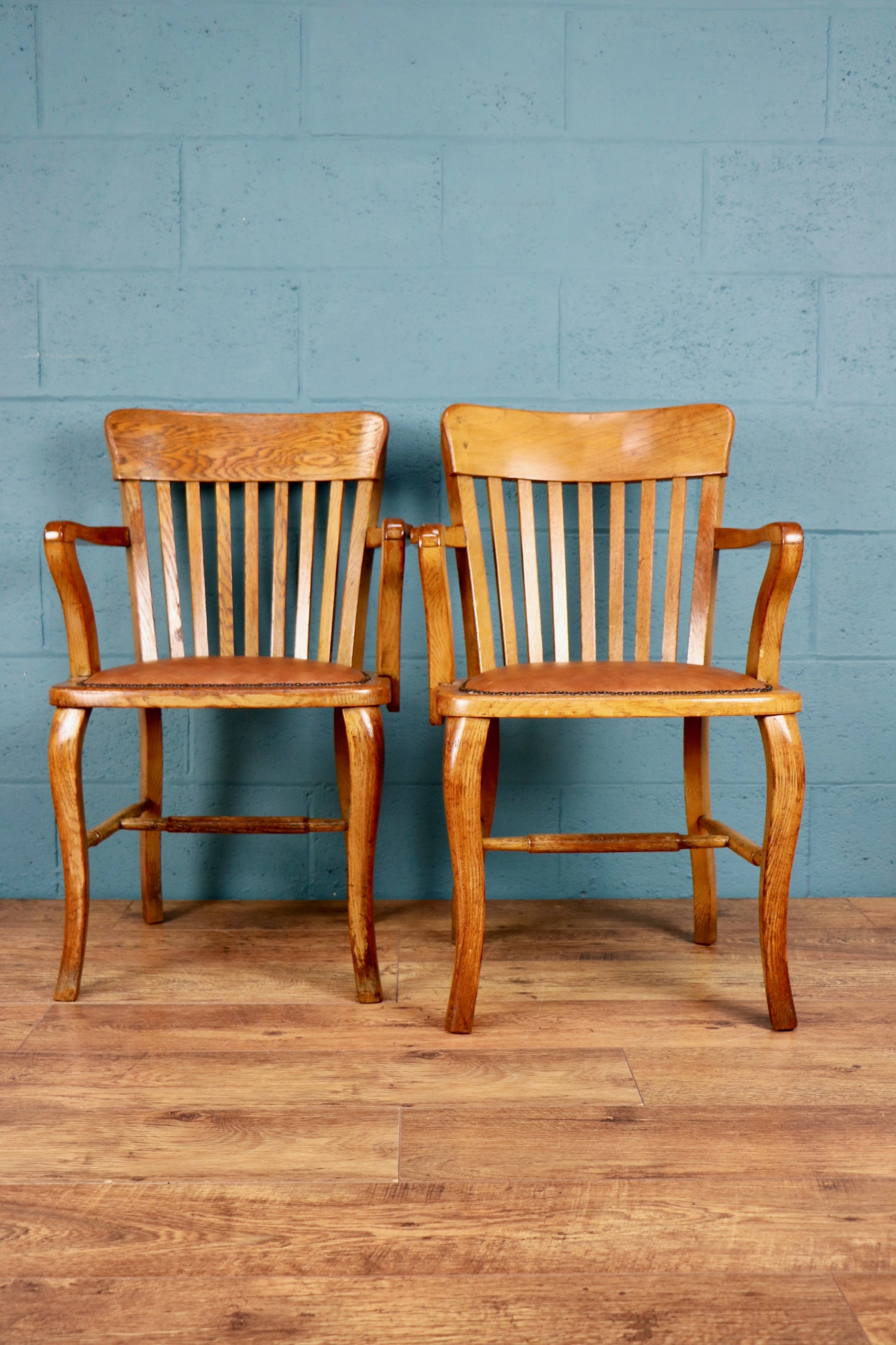 - This is to let you know that the chairs have safely arrived yesterday. They suit perfectly to our antique English partner desk!Jan, Germany