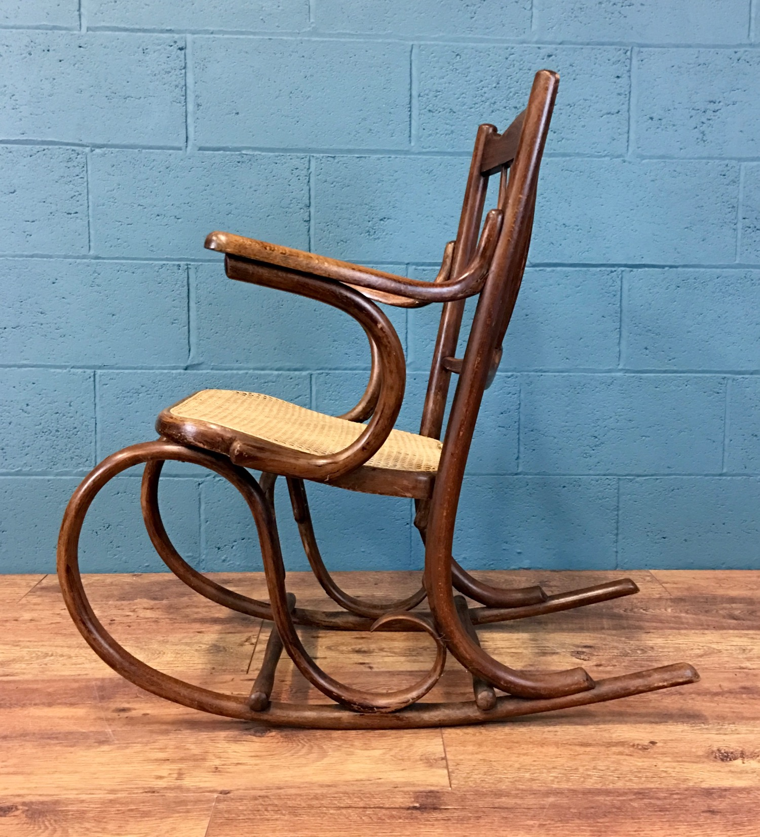 - The courier delivered the chair safely and in good order - it's a lovely chair, many thanks!Lorna. Scotland