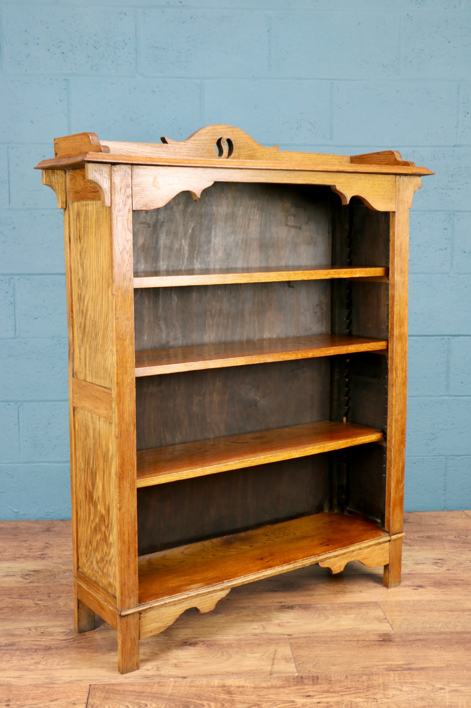 - An excellent bookcase. Very pleased with it, and it arrived promptly.Richard, London