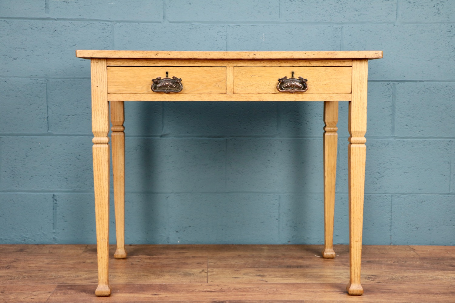 - Just wanted to say how absolutely thrilled I am with the ash writing desk! Thank you for delivering it so quickly, and it was lovely to meet you.Hazel,  West Sussex