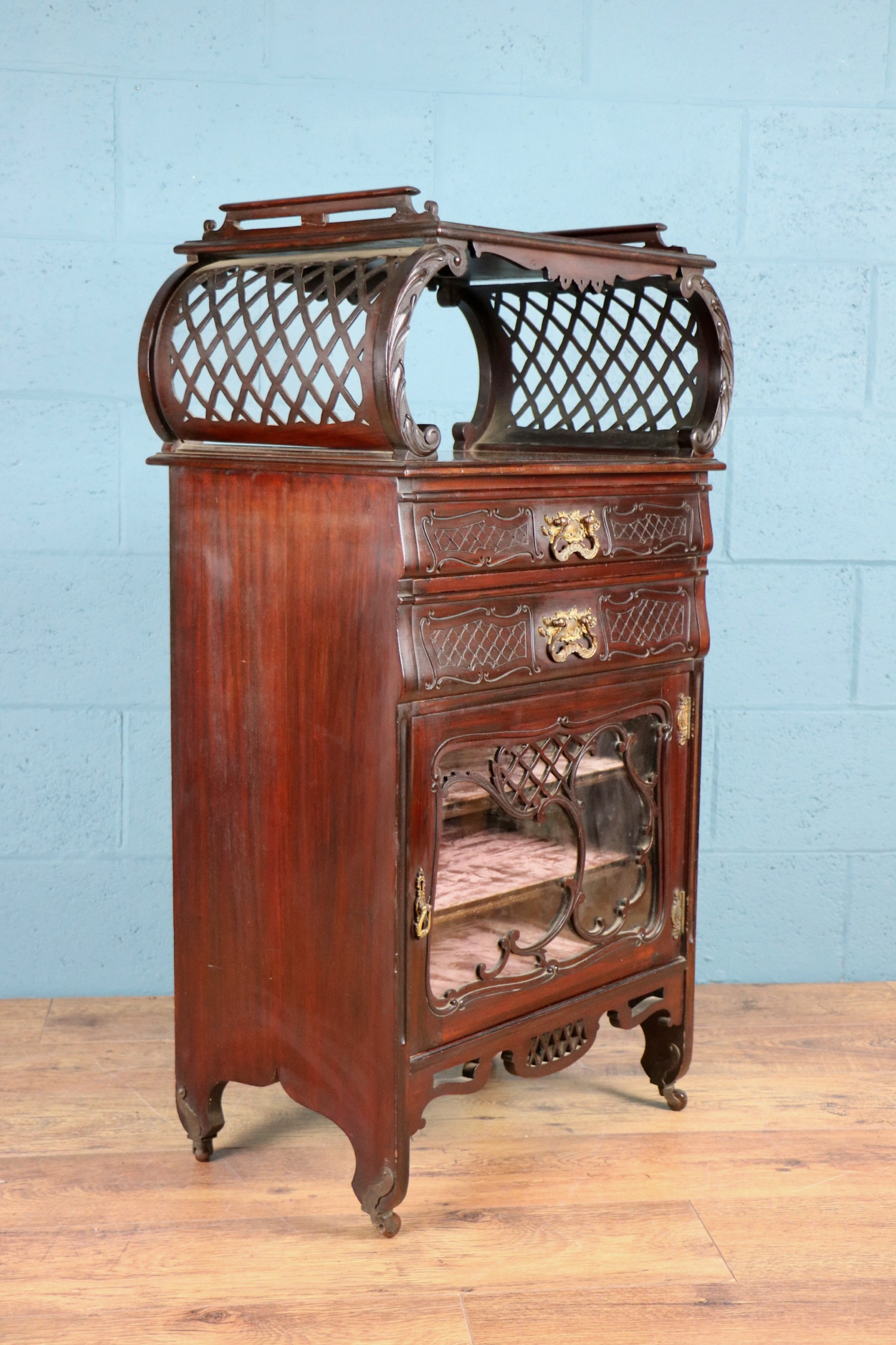 - Lovely cabinet and a pleasure to deal with. Thanks.  Carol, Warrington