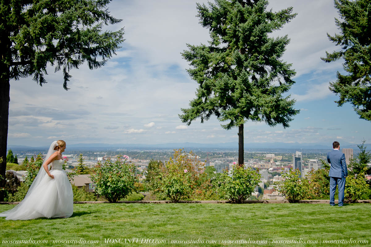 Bridalbliss.com | Portland Wedding| Oregon Wine Country Event Planning and Design | Mosca Gallery | Zest Floral