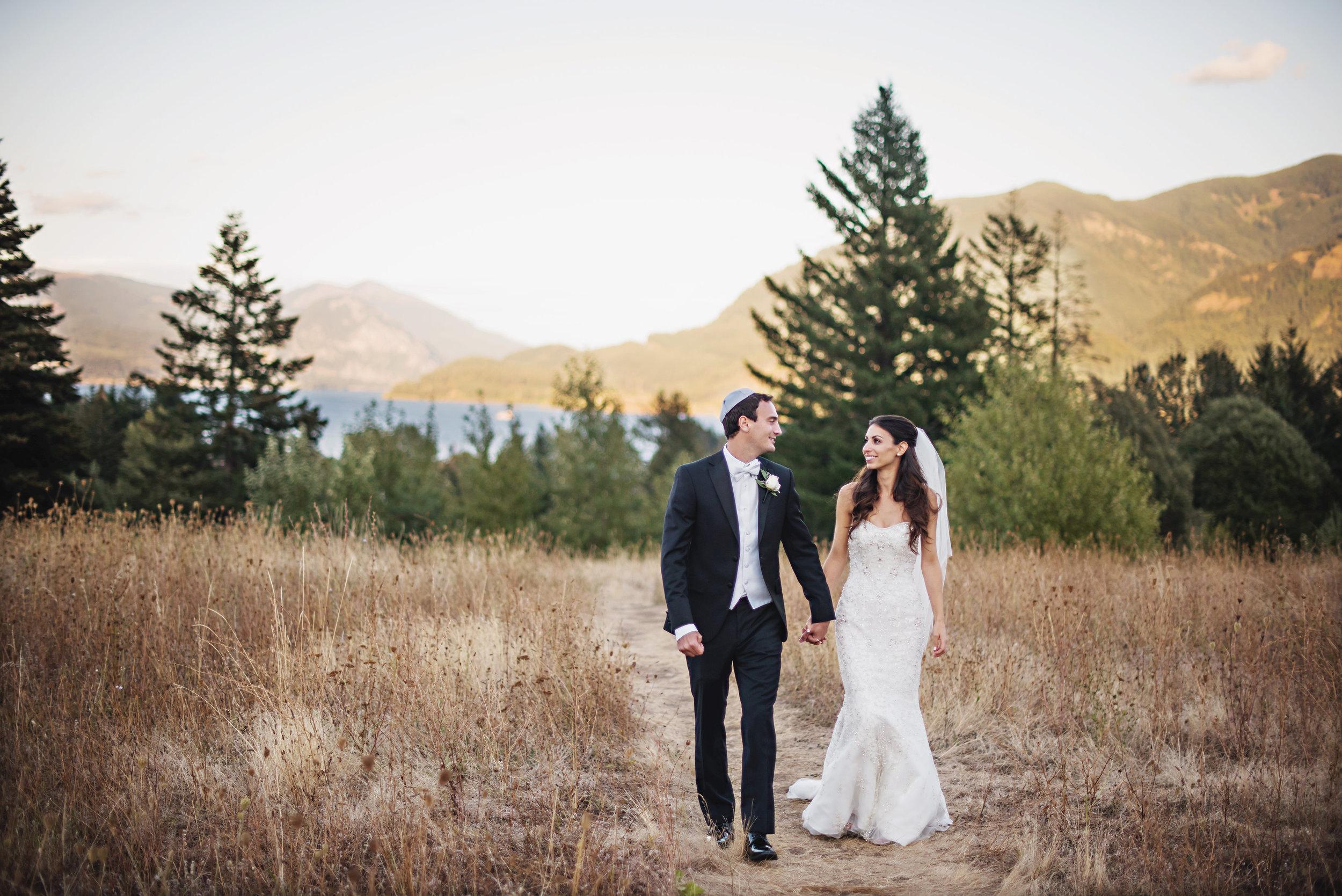 Bridalbliss.com   Columbia Gorge Wedding   Washington Event Planning and Design   Deyla Huss Photography