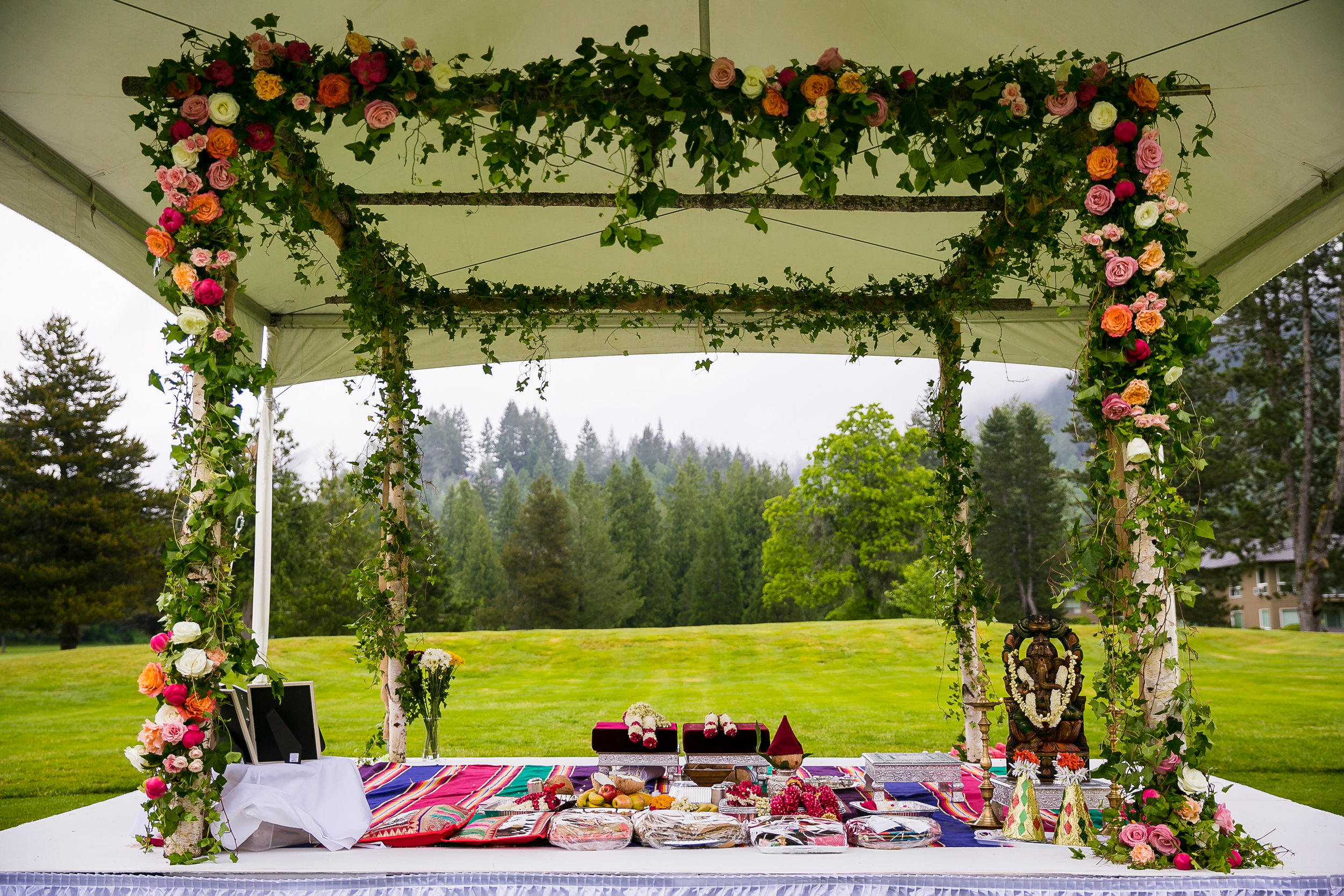 Bridalbliss.com | Mt. Hood Wedding | Oregon Event Planning and Design | Lin + Jirsa Photography