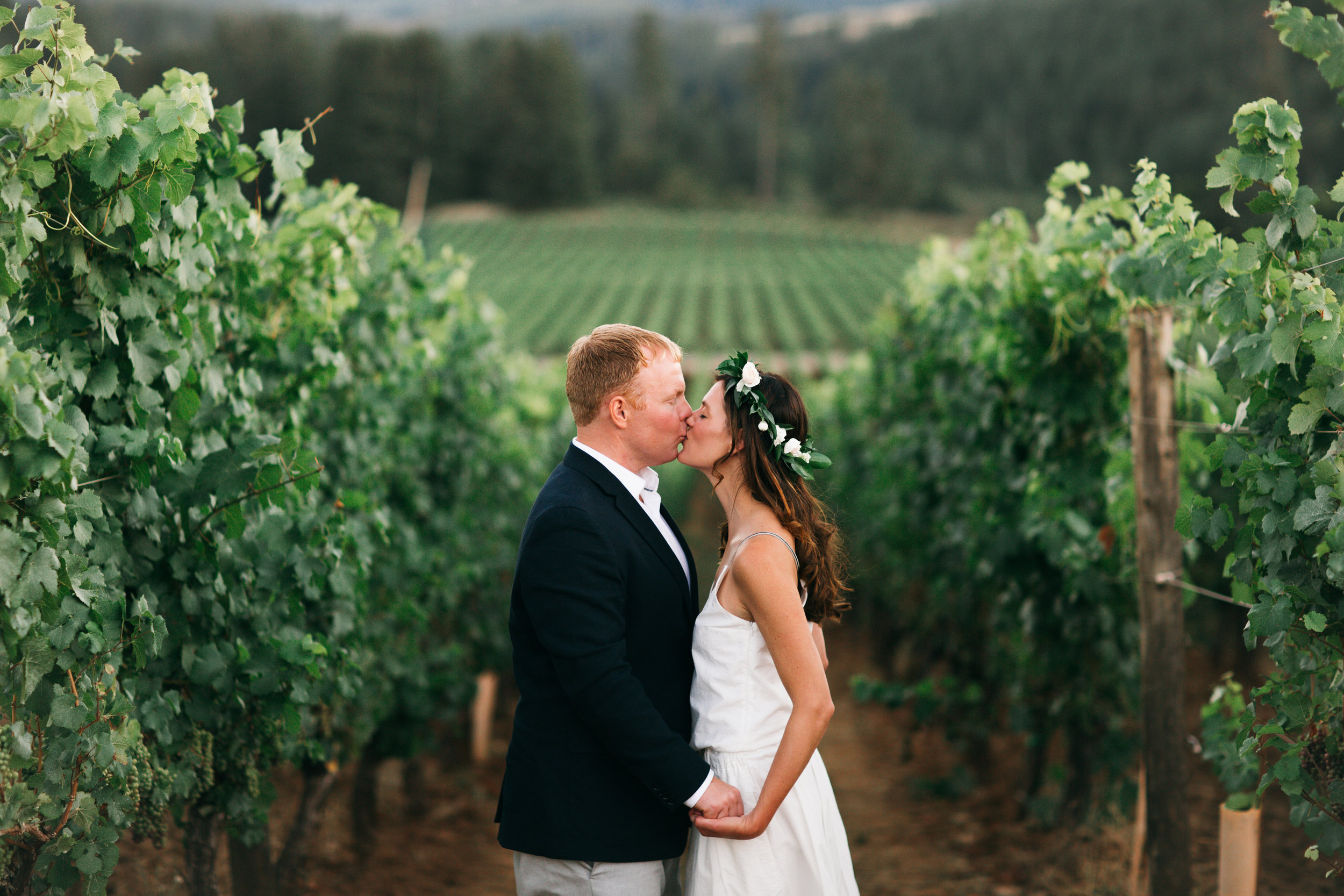 Bridalbliss.com | Eugene Wedding | Oregon Event Planning and Design | Lovelit Photography