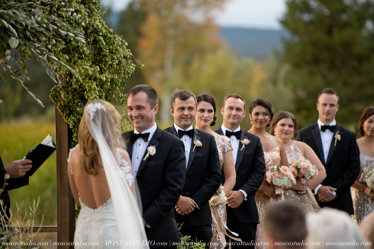 01375-moscastudio-kellyryan-sunriver-resort-wedding-20160917-SOCIALMEDIA (1).jpg