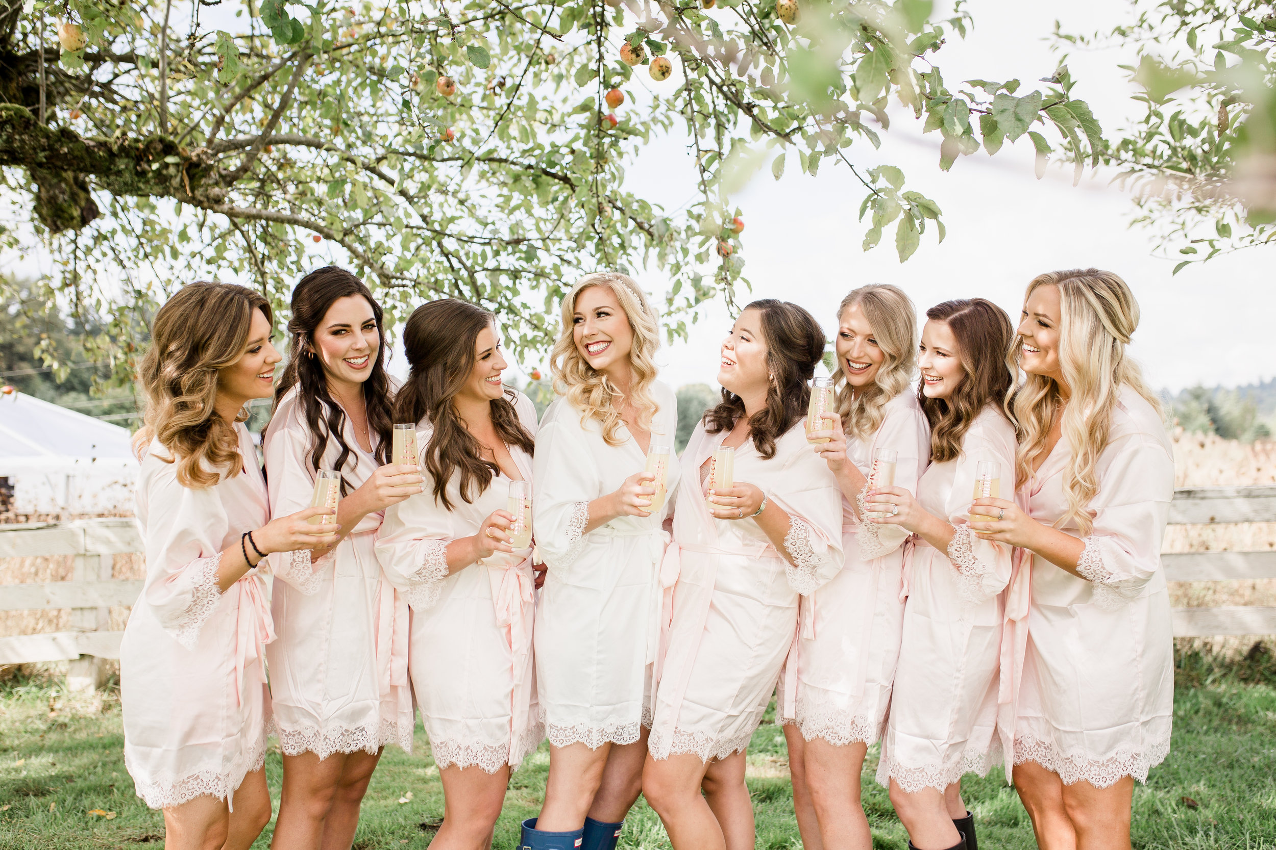 Bridalbliss.com | Portland Wedding | Oregon Event Planning and Design | Kara Santa Ana Photography