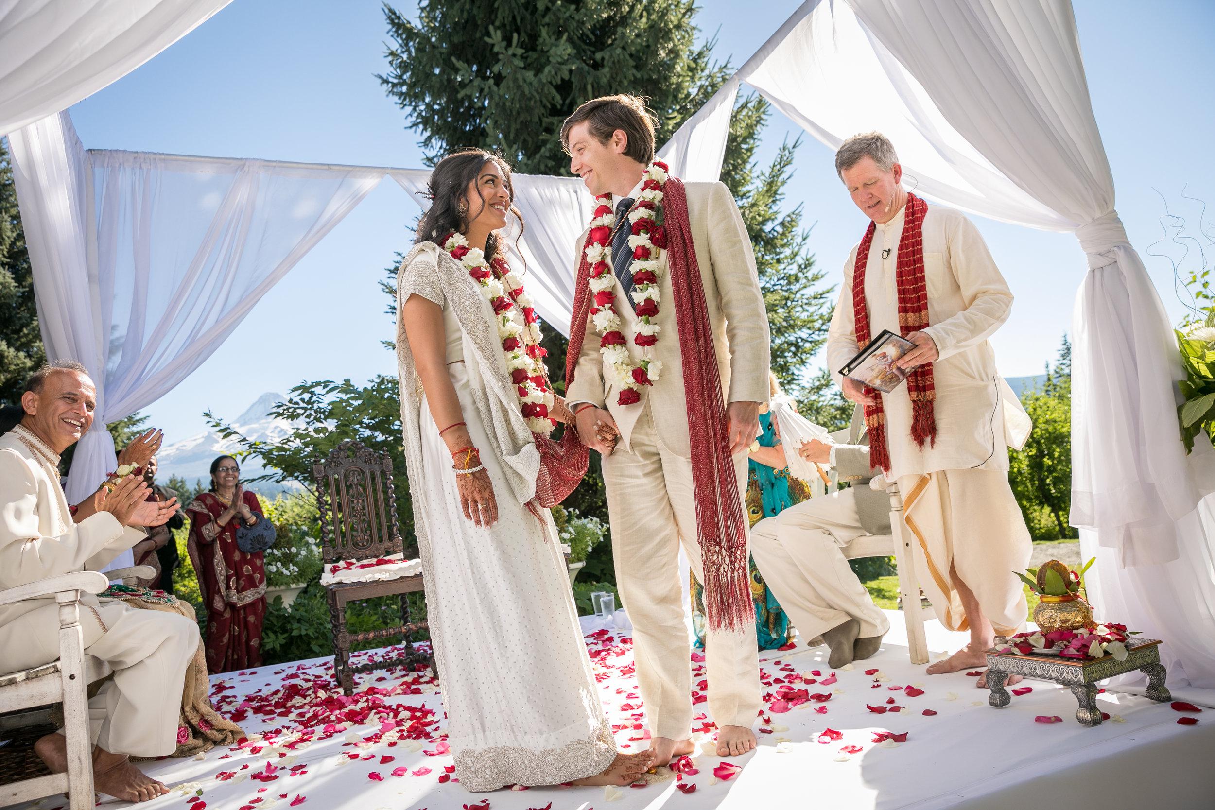 Bridalbliss.com   Mt Hood Wedding   Oregon Event Planning and Design   Blaine & Bethany Photography