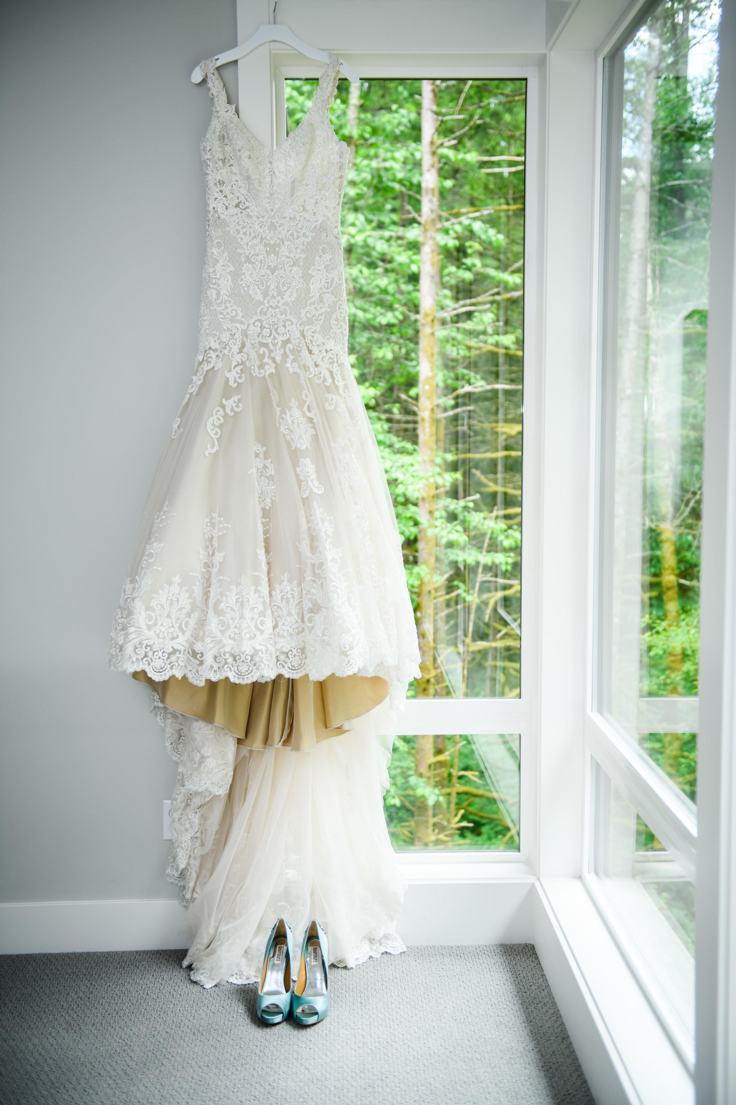 Bridalbliss.com | Portland Wedding | Oregon Event Planning and Design | Honeysuckle Photography