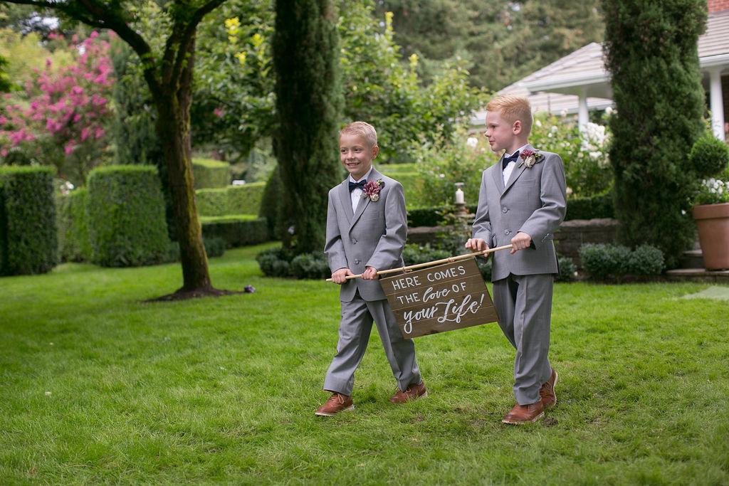 Bridalbliss.com   Portland Wedding   Oregon Event Planning and Design   Enchanted Images