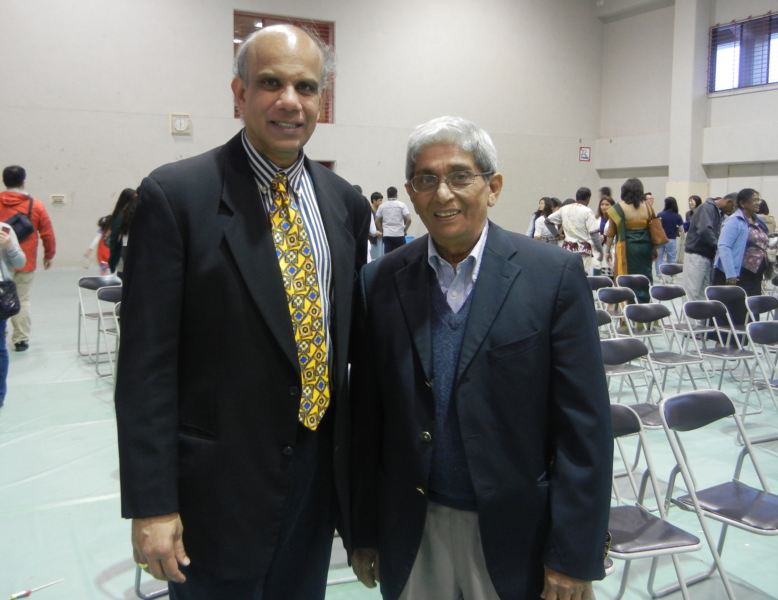 Dr. Gurumurthy Kalyanaram and Professor W.D. Lakshman, Vice Chancellor of Colombo University.JPG