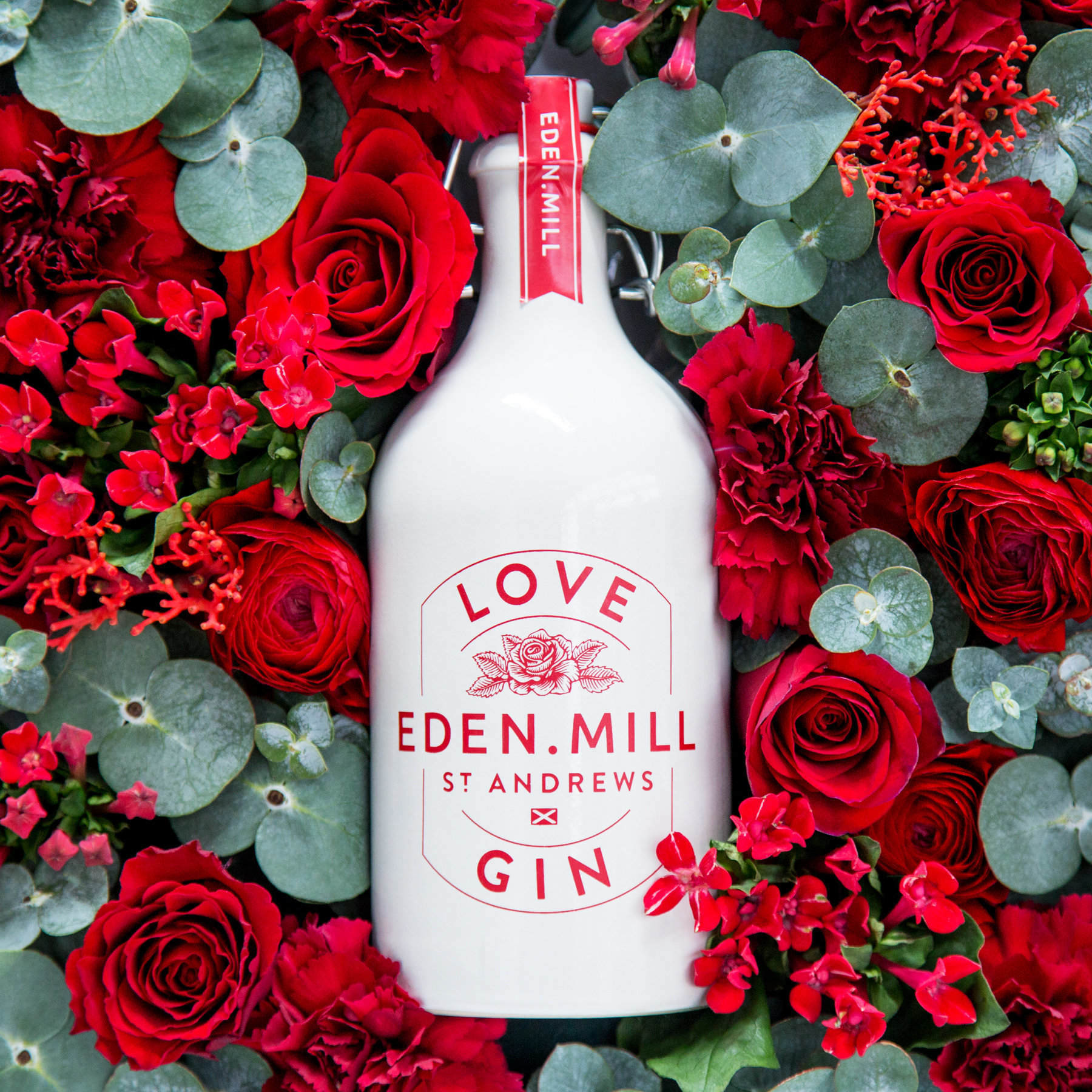 Valentines Day flowers with Eden Mill Love Gin promotional pack