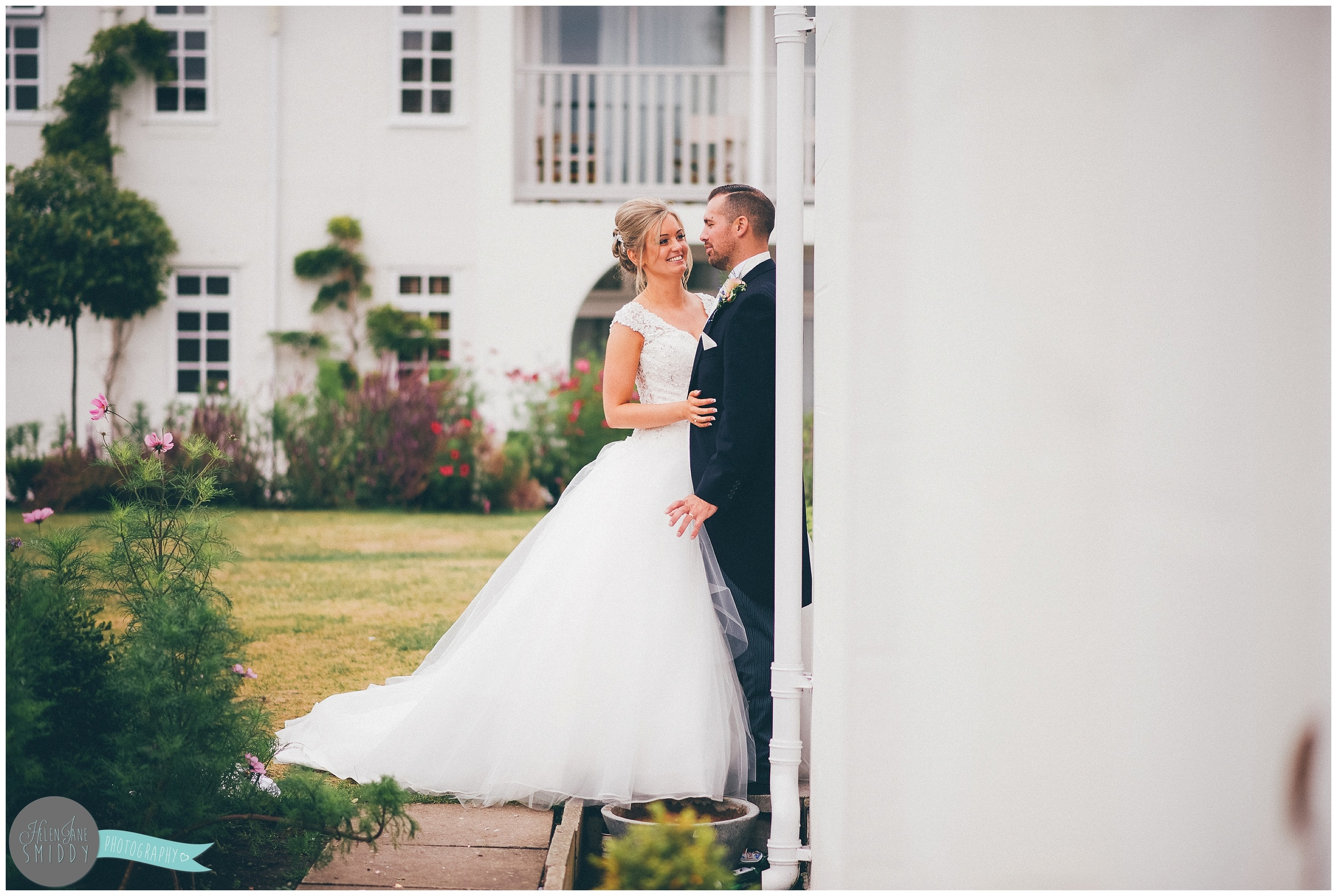 rowton-hall-chester-cheshire-wedding-photography-bride-groom-family-love